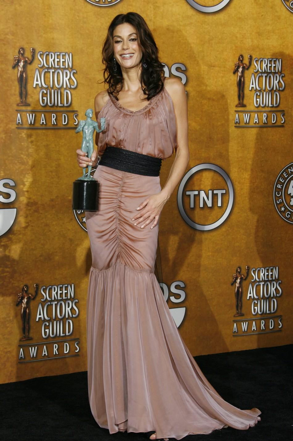 Actress Teri Hatcher poses with award at 12th annual Screen Actors Guild Awards in Los Angeles