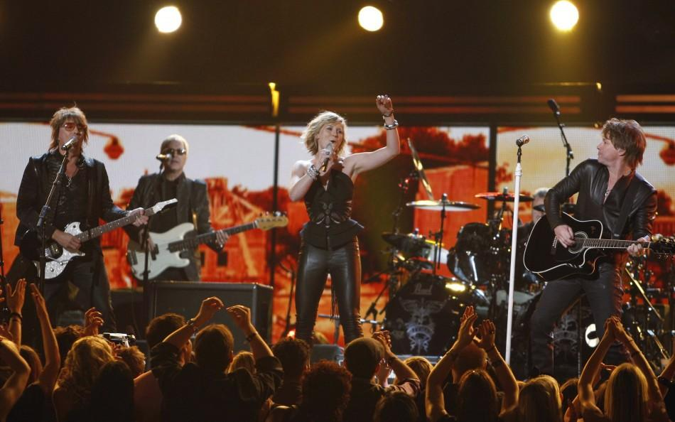 Jennifer Nettles of Sugarland performs with Richie Sambora and Jon Bon Jovi at the annual Grammy Awards in Los Angeles