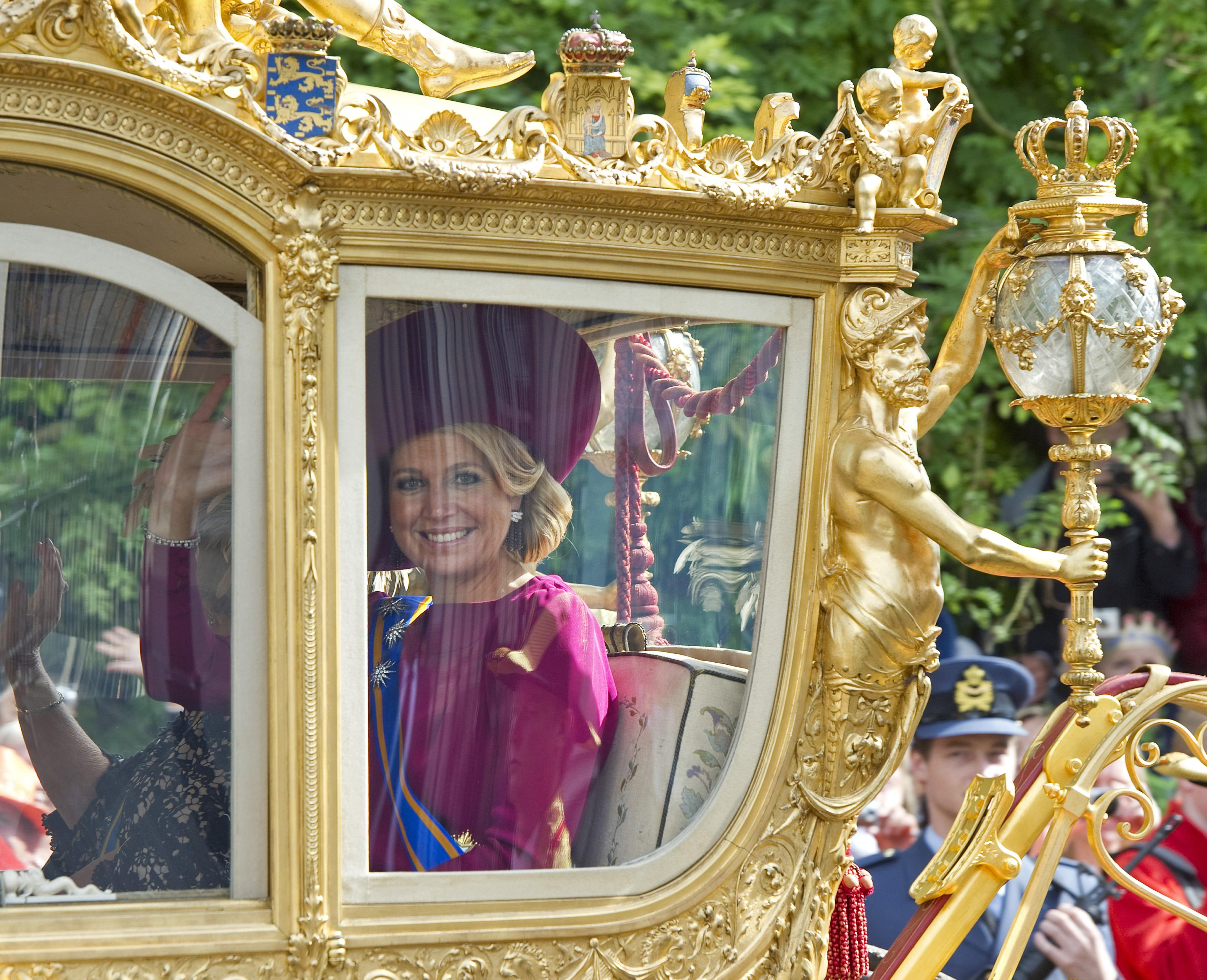 Queen Maxima in a carriage