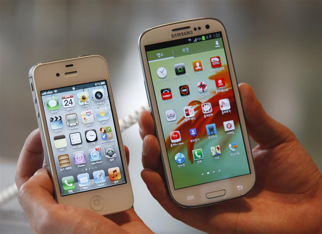 Samsung Galaxy S4 Outsells Apple iPhone 5 At Verizon, Sprint And T