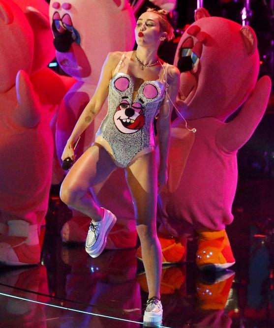 miley cyrus halloween costume 2013 where to buy her vma awards look