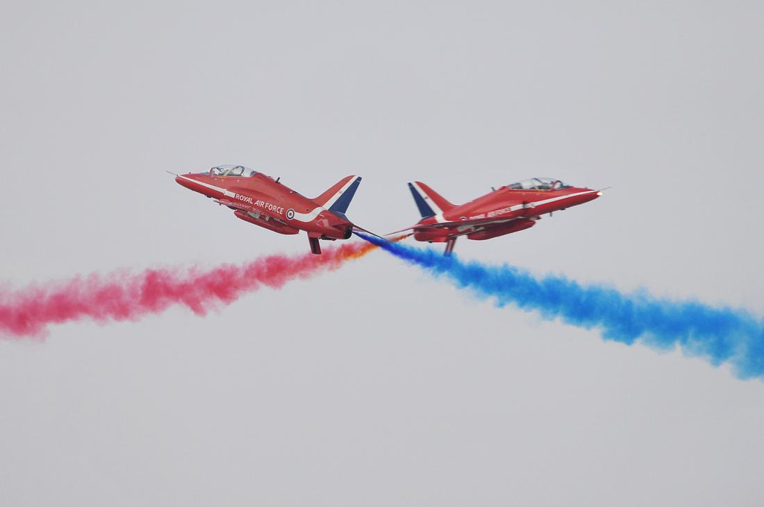 Red Arrows Cross In Dubai