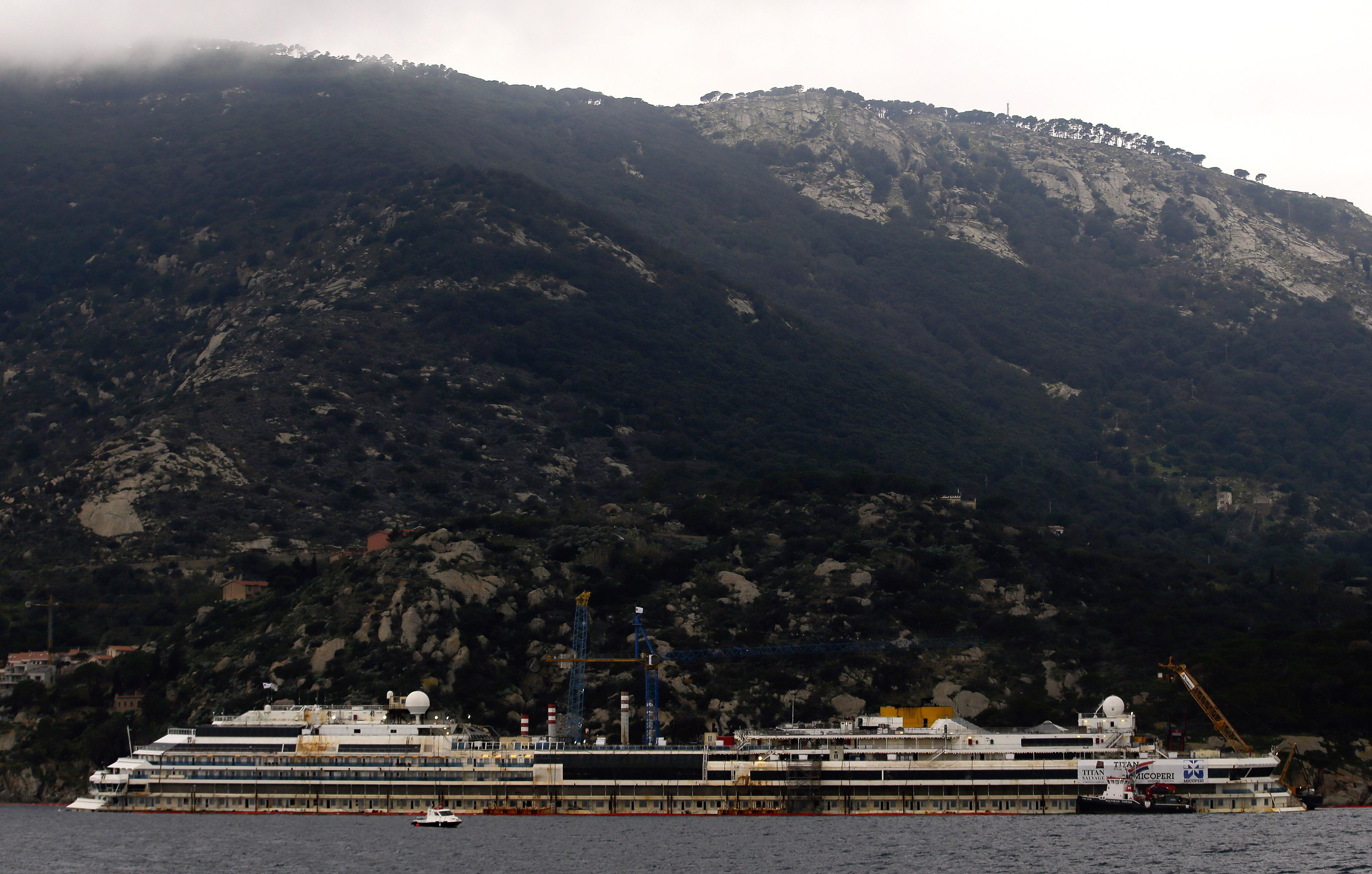 Costa Concordia profile shot
