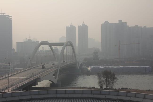 Smoggy Lanzhou at 11am