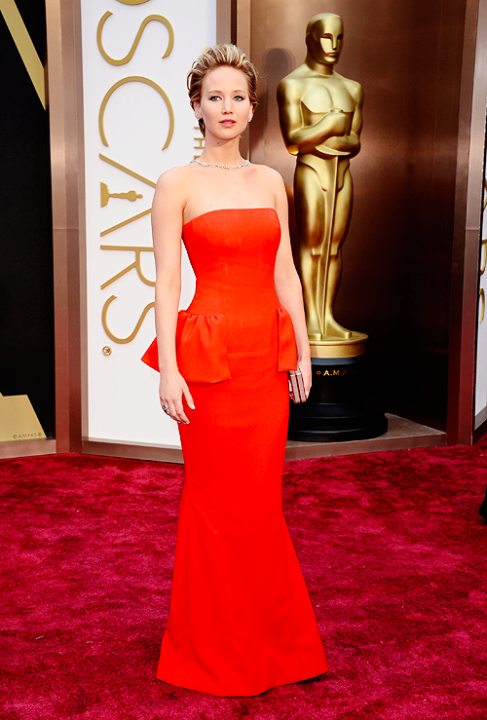 Is Jennifer Lawrence Staging Her Oscars Falls? Twitter Reacts After ...