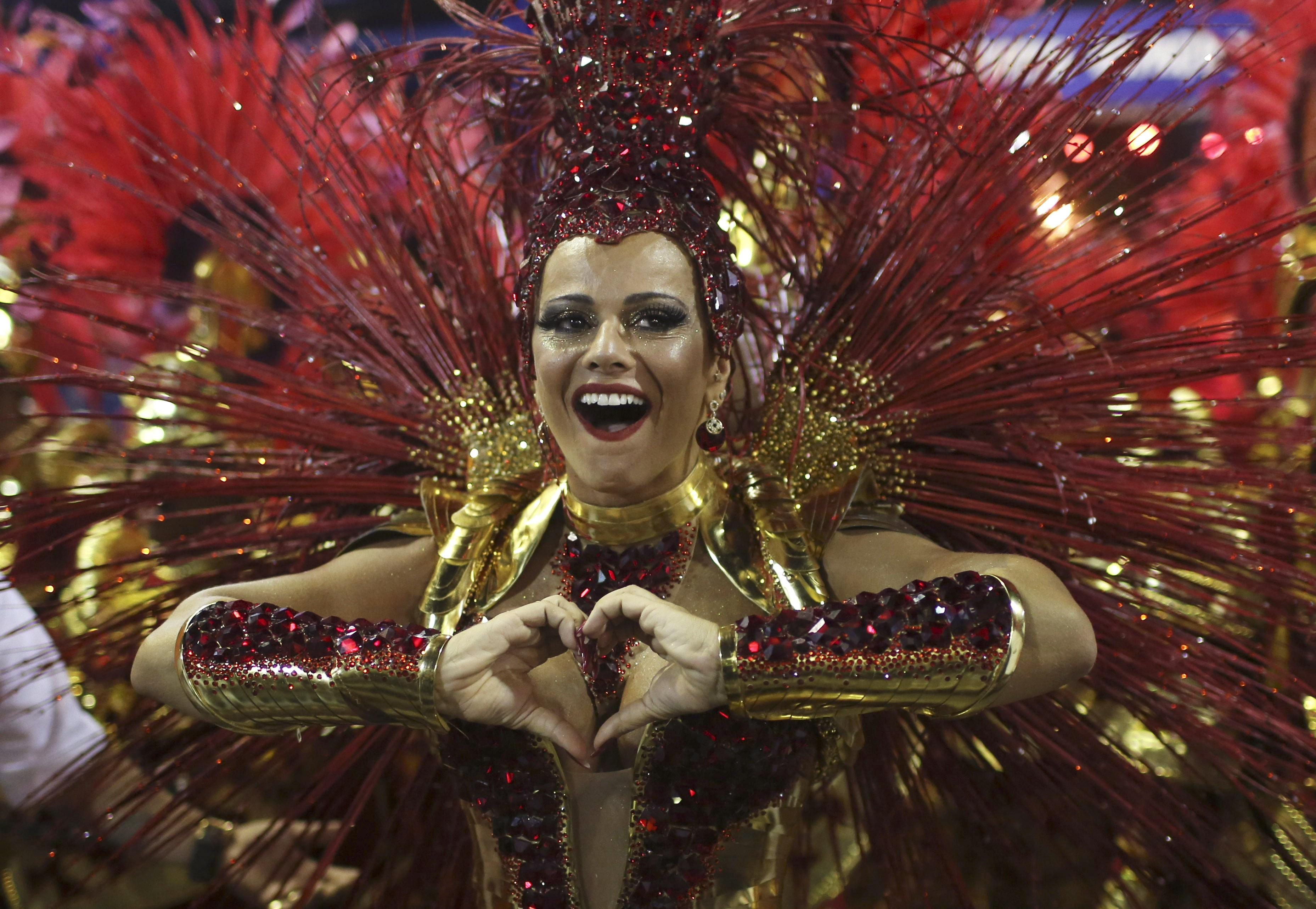 Rio Carnival 2014: Craziest Costumes at the Parade