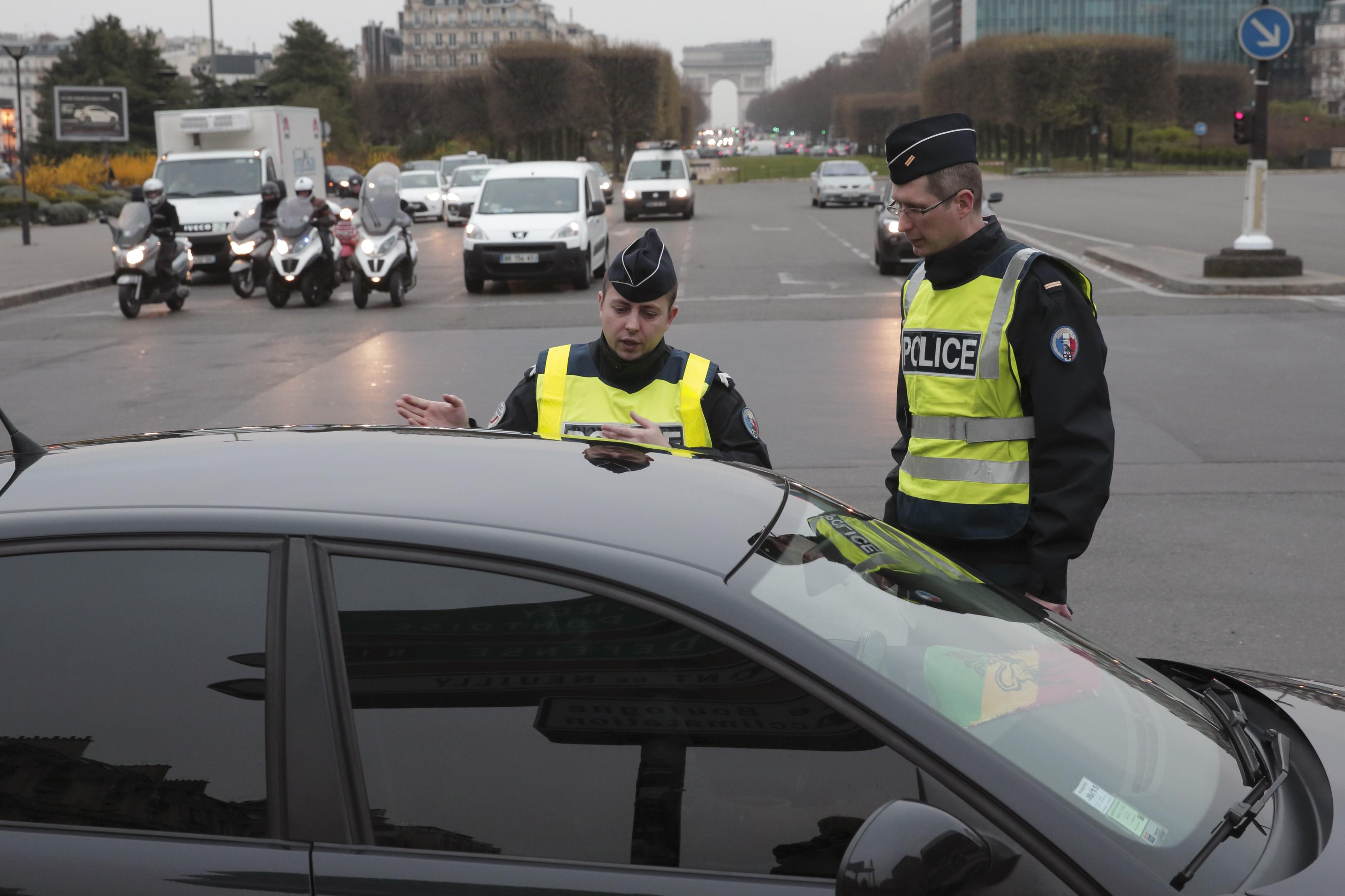March 17 France Pollution Police 4