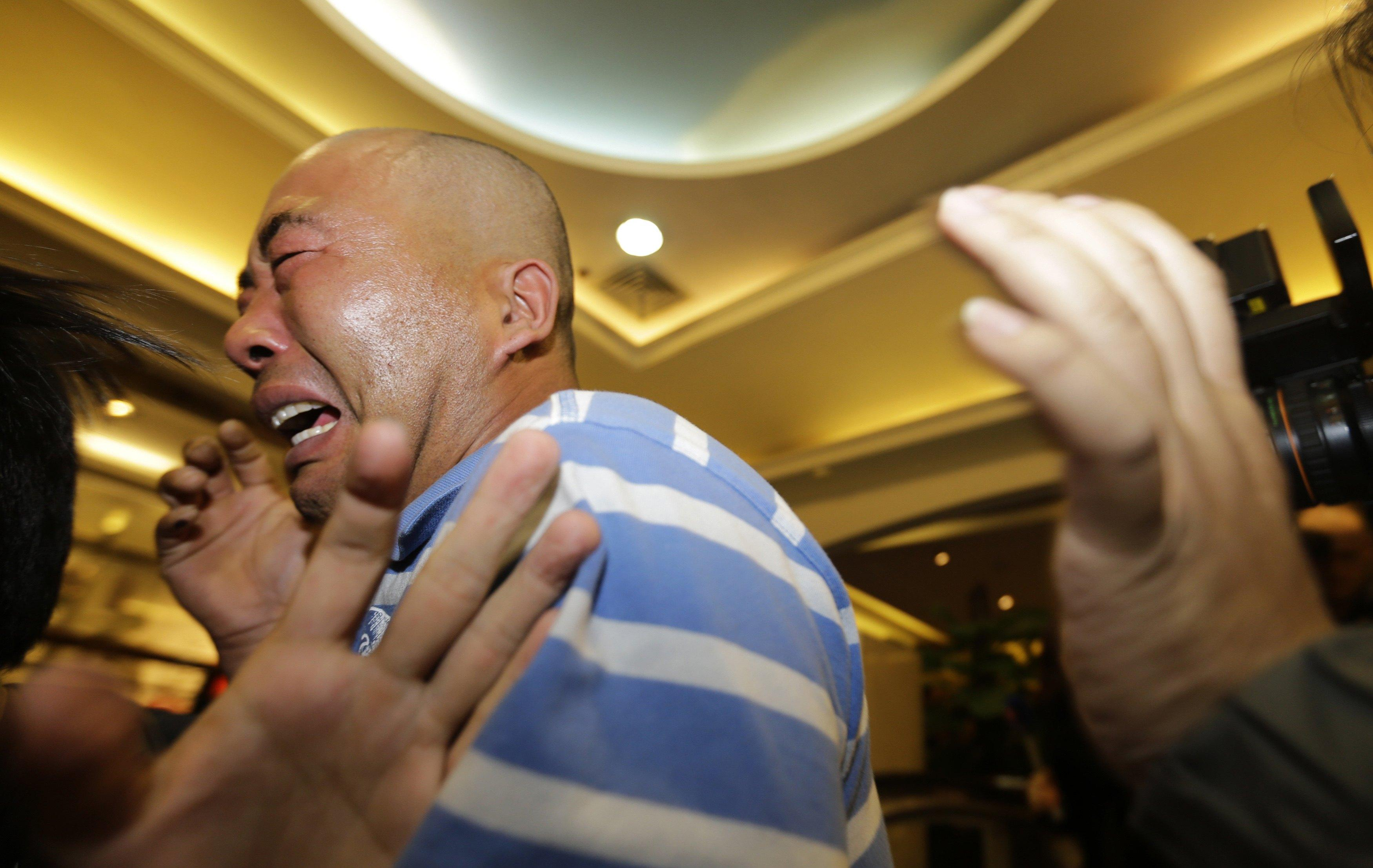 Mh370 relative crying