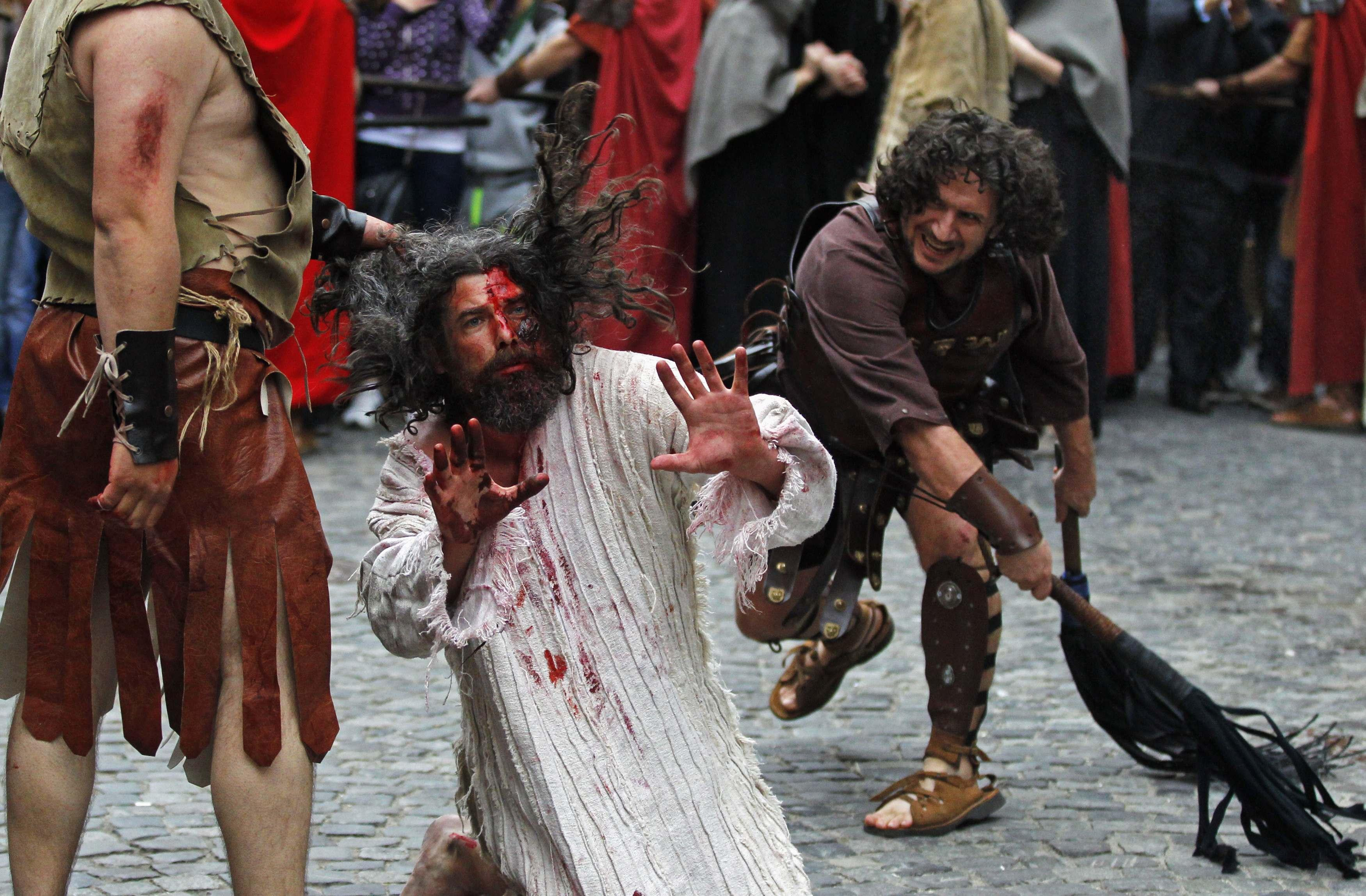 Holy Week - Via crucis