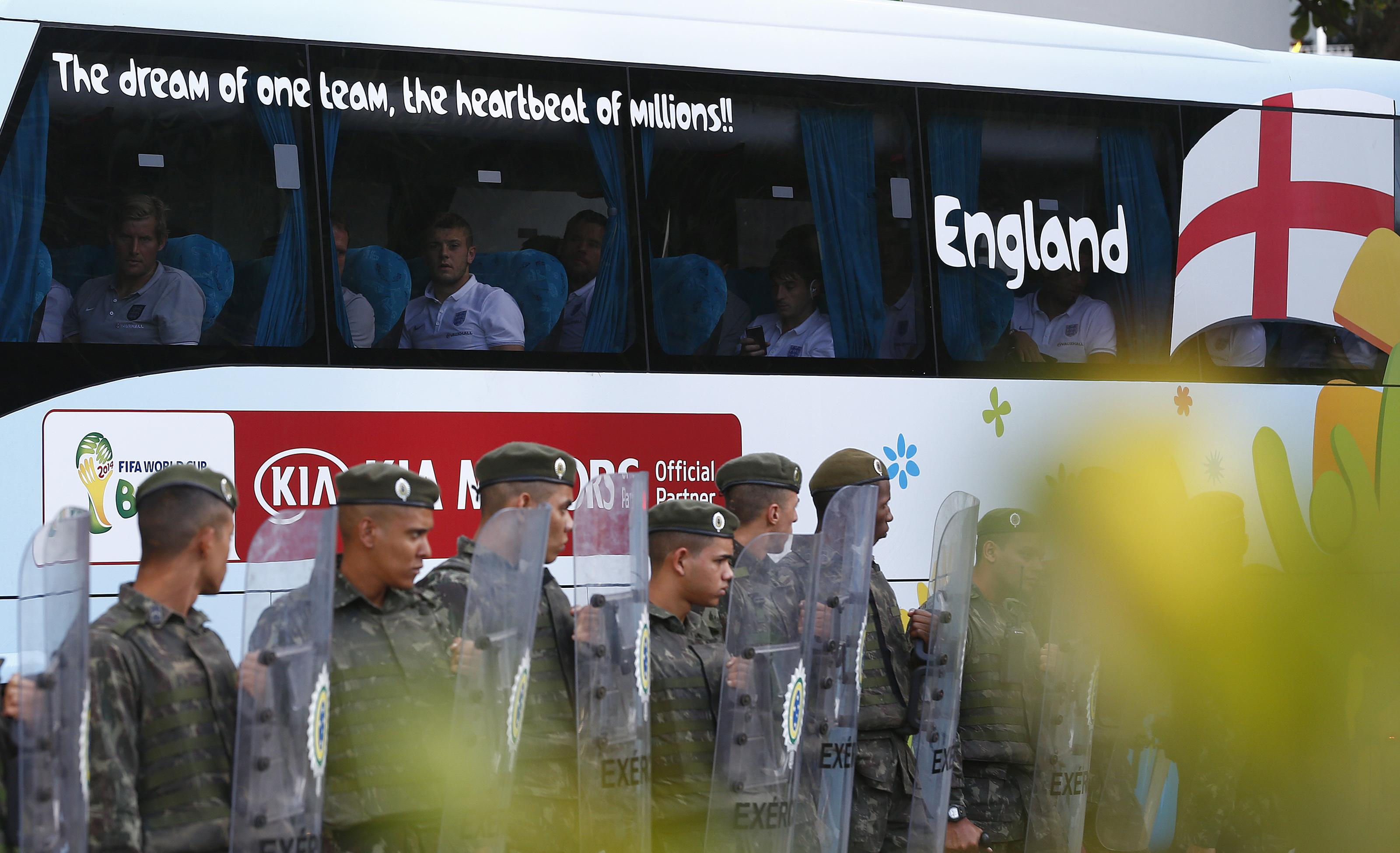 2014 World Cup - England Arrival