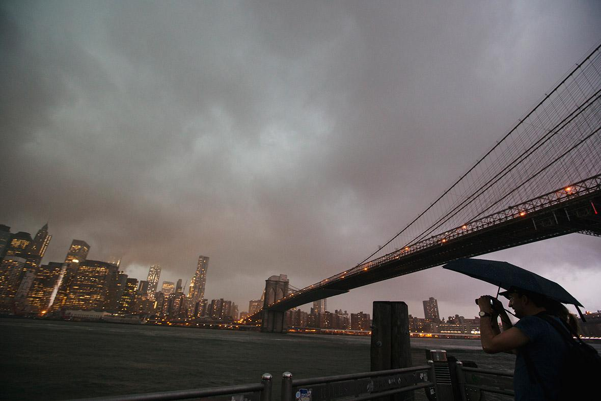brooklyn-bridge-storm (1)