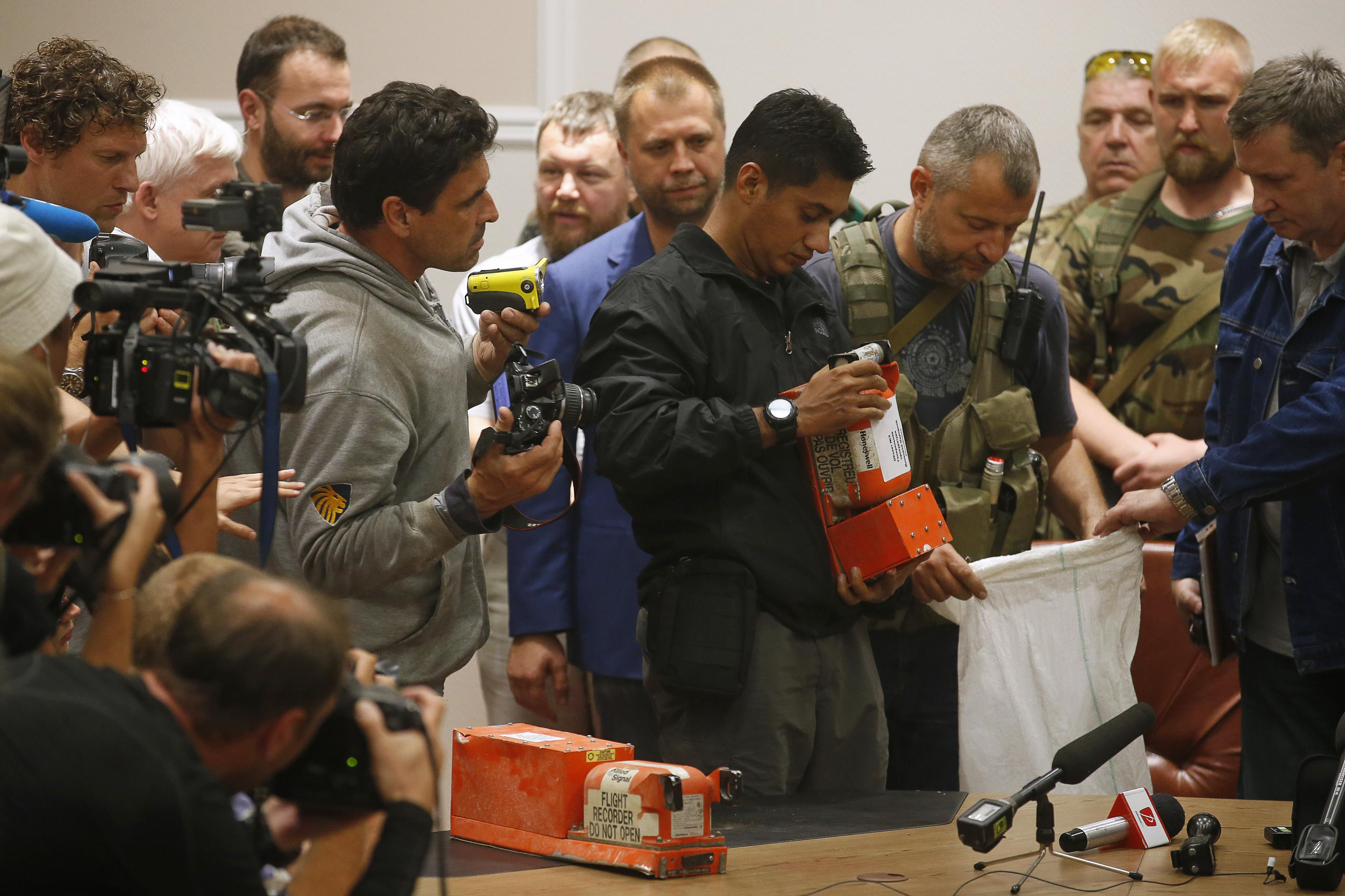 MH17 Black Boxes