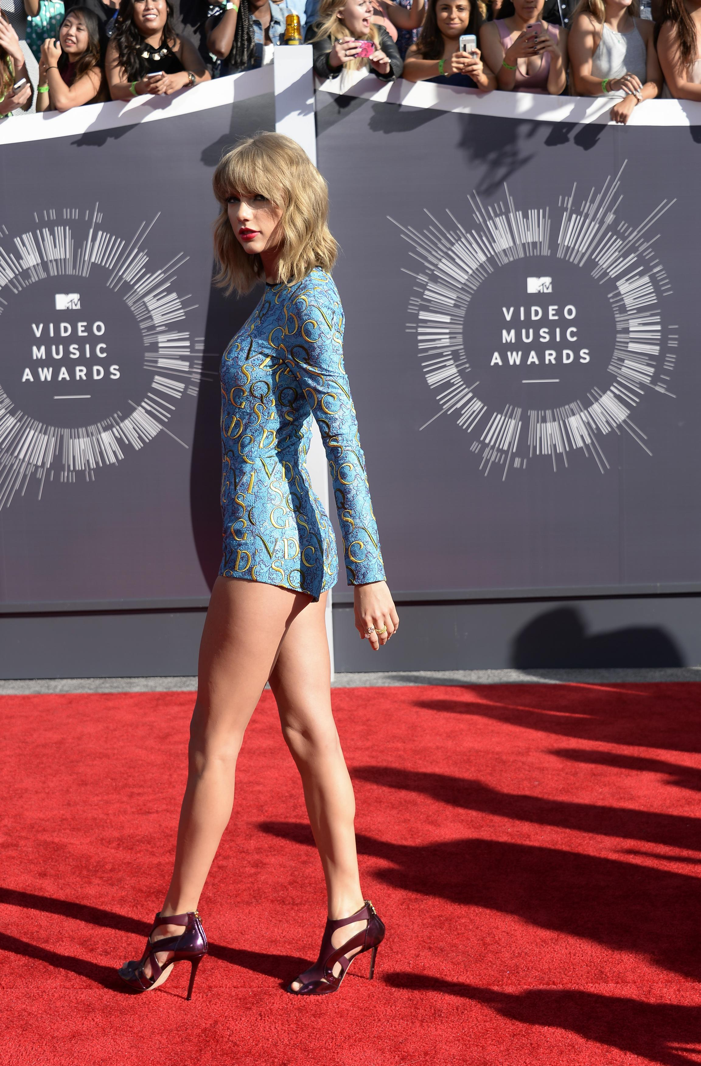 2014 Mtv Vmas Top 10 Best And Worst Dressed Stars On The