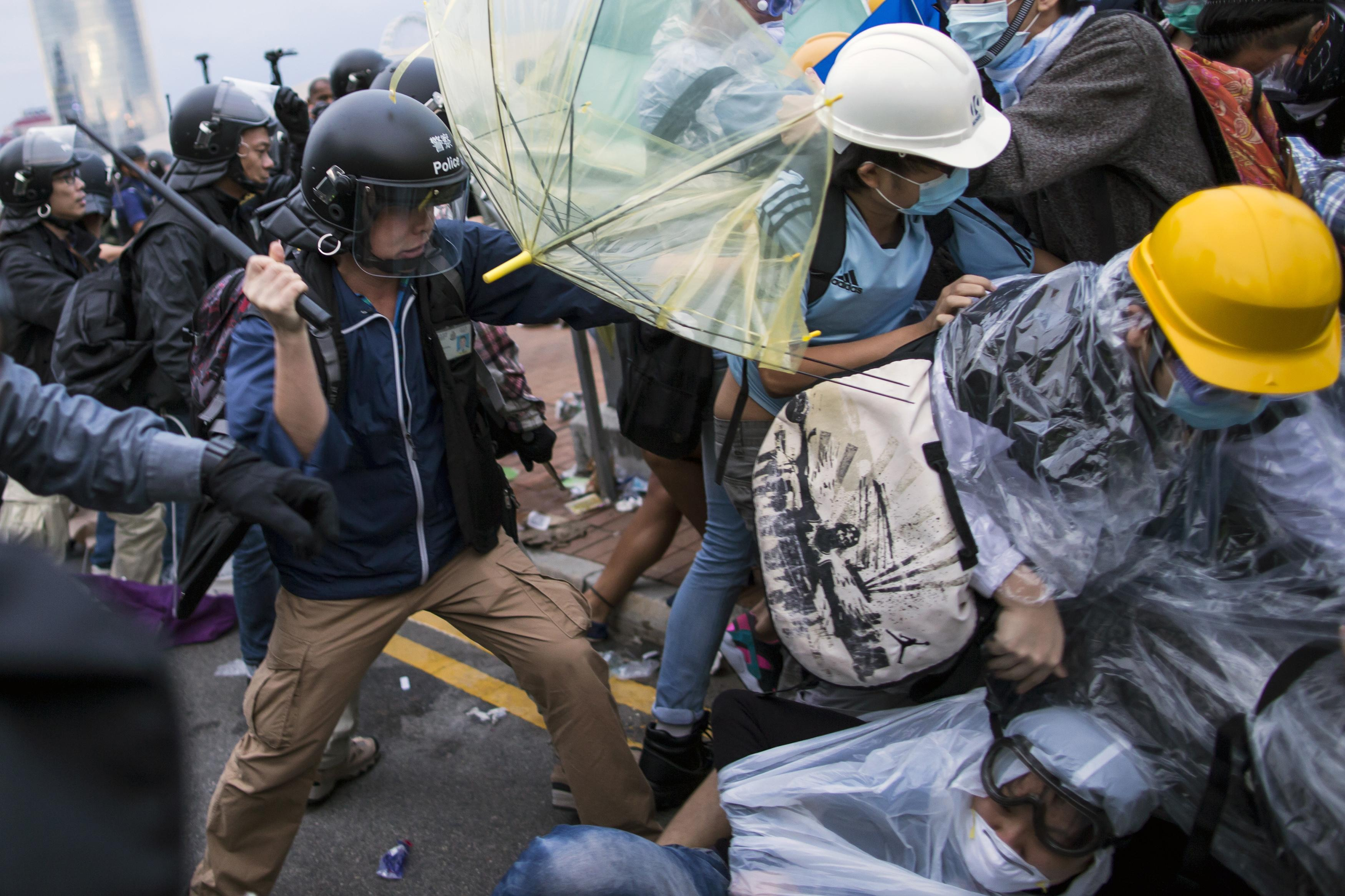 Occupy Central Update: Hong Kong Student Leaders On Hunger Strike, Government Vows 'Resolute Action' To Clear Protesters