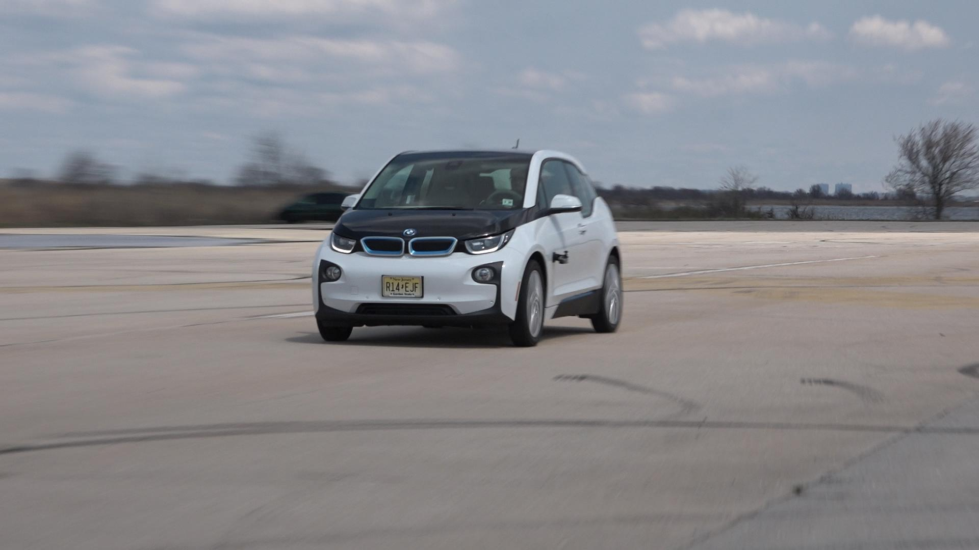 BMW i3 accelerating