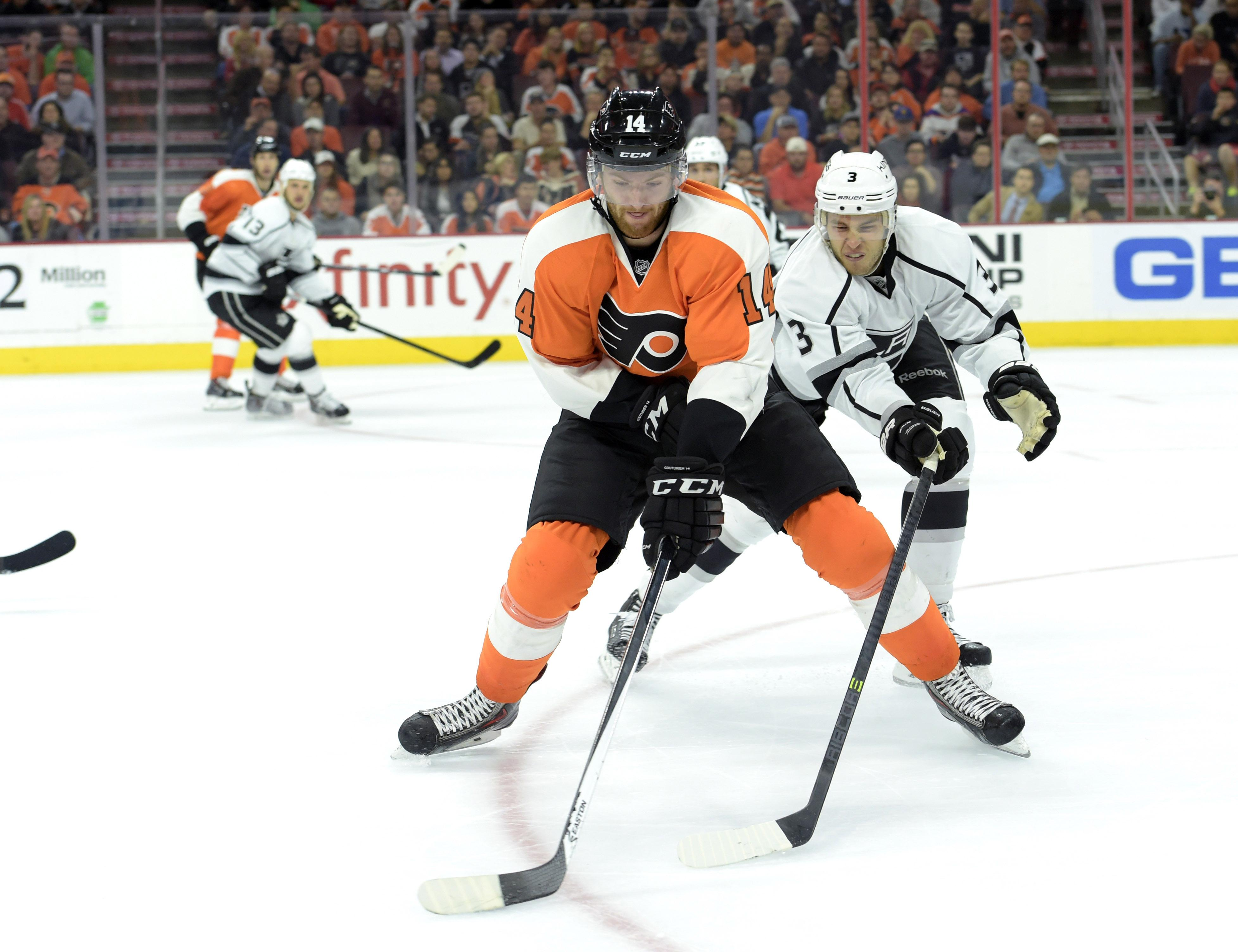Laughton scores twice, leads streaking Flyers over Jets