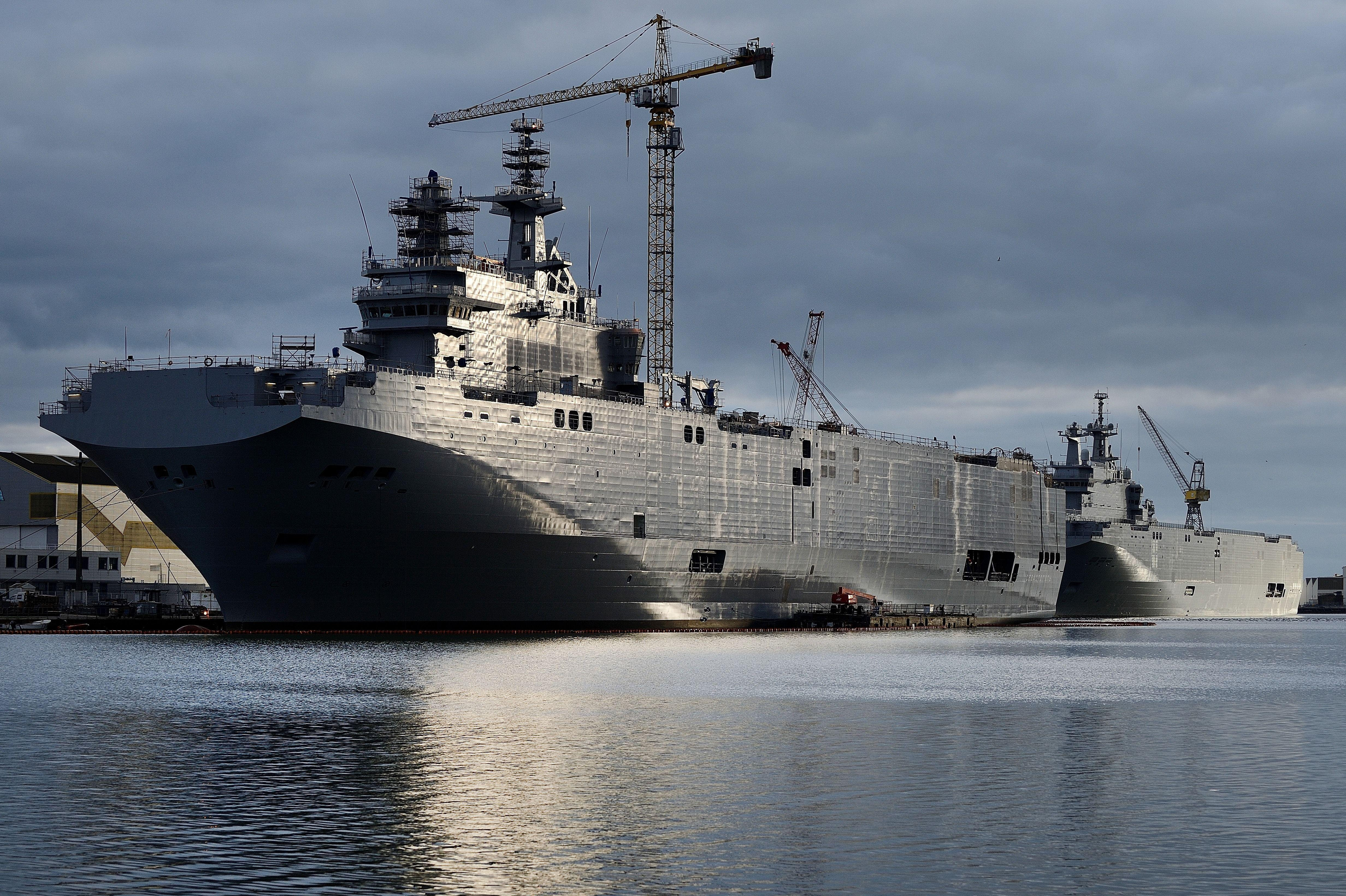 Russia-France-mistral-warship