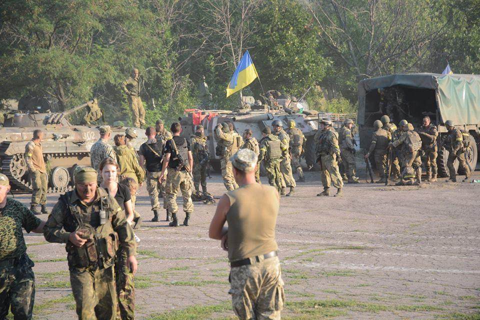 Ukrainian troops regroup after intense fighting