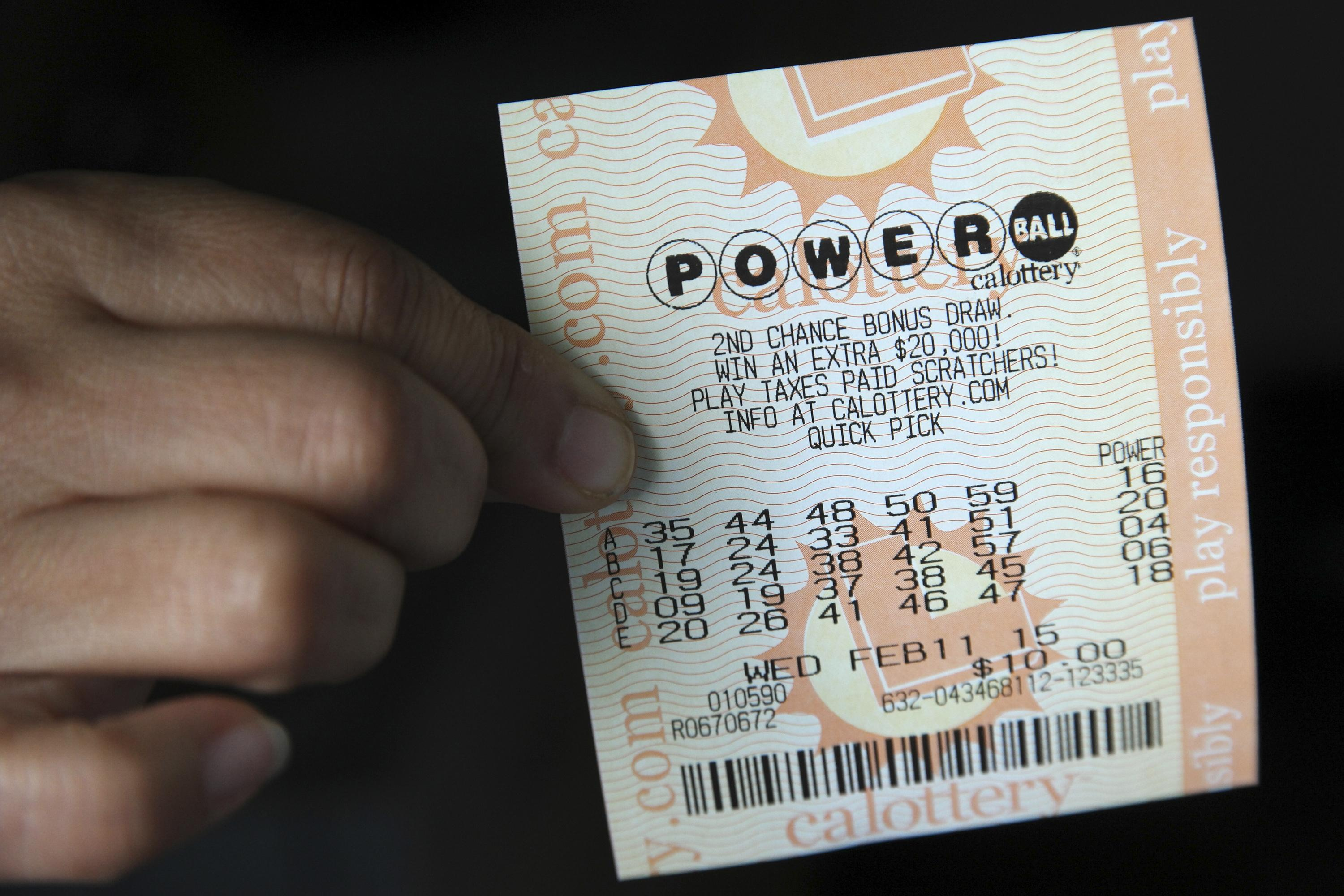 Winning numbers drawn for Powerball, no victor  of Mega Millions