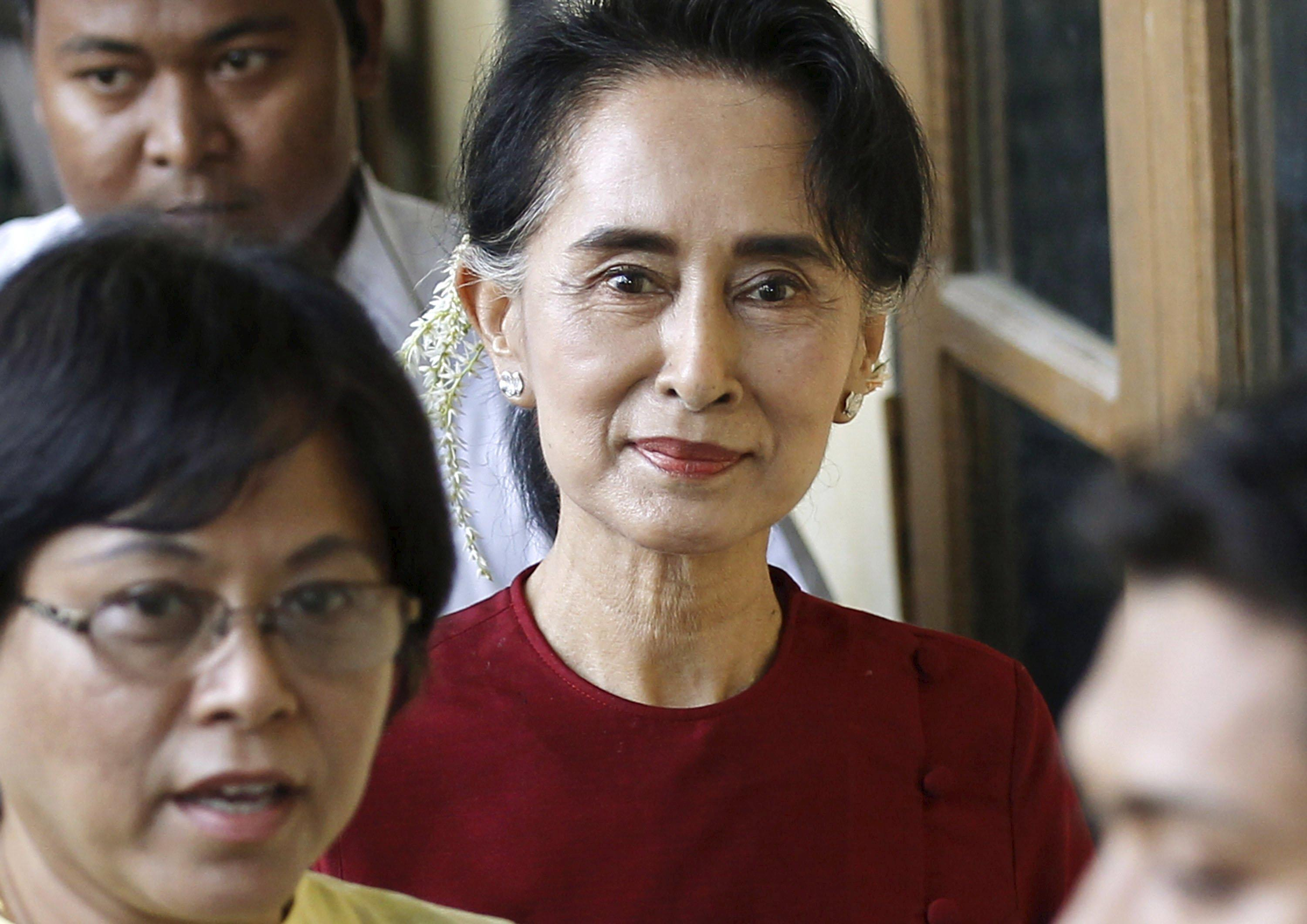 MyanmarElections_SuuKyi_Nov82015
