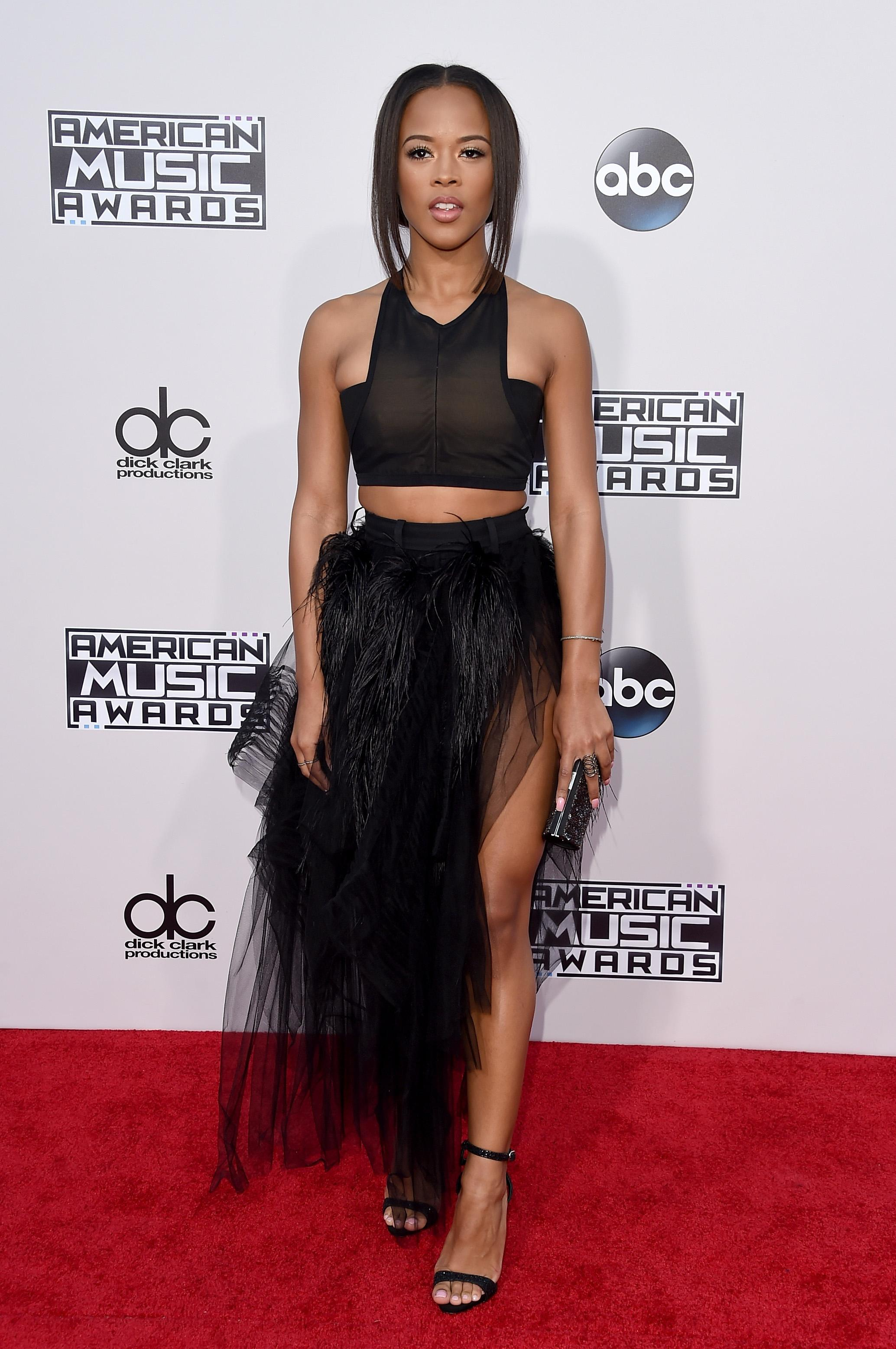 05b3c8863c 2015 American Music Awards: The Best And Worst Dressed Celebrities On The  AMAs Red Carpet [PHOTOS]