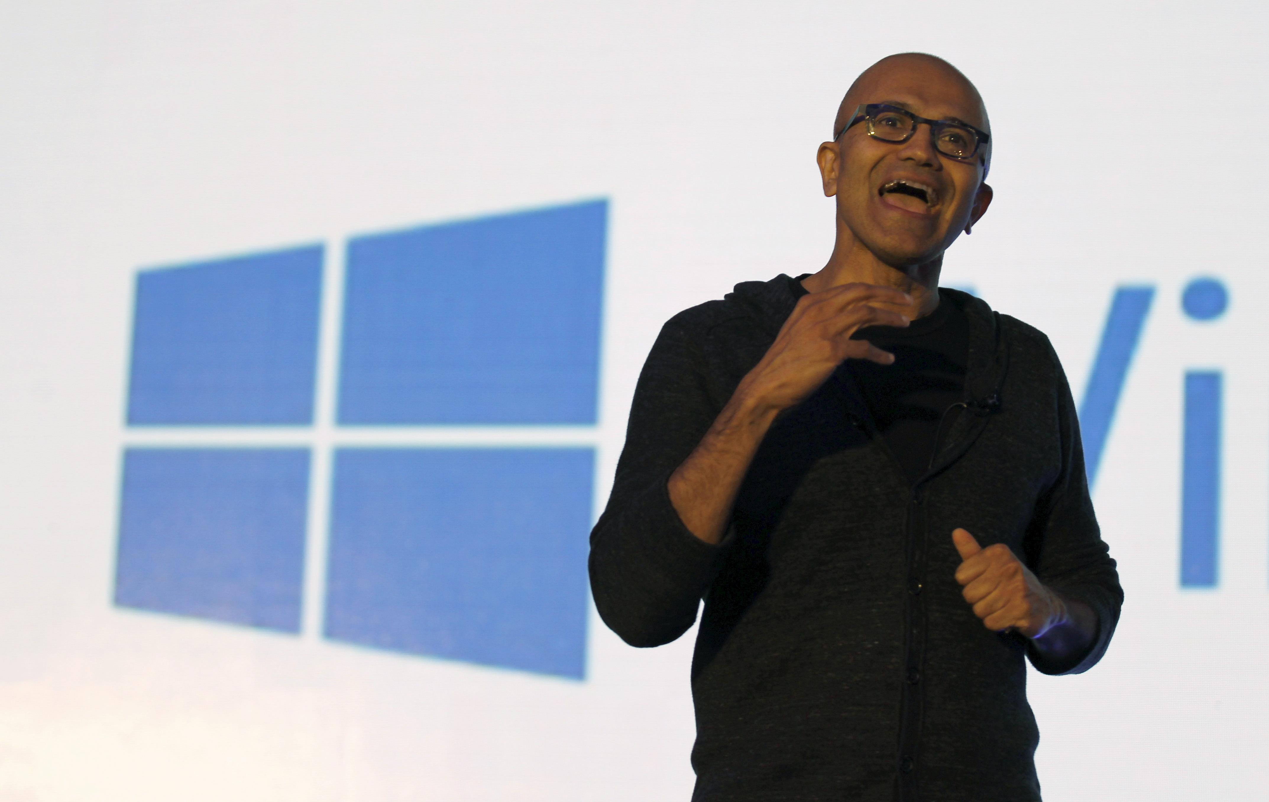 windows 10 nadella
