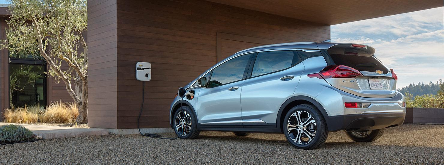 2016-chevrolet-bolt-electric-vehicle-charging-1480x551-01