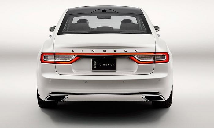 2017 Lincoln Continentyal Rear View