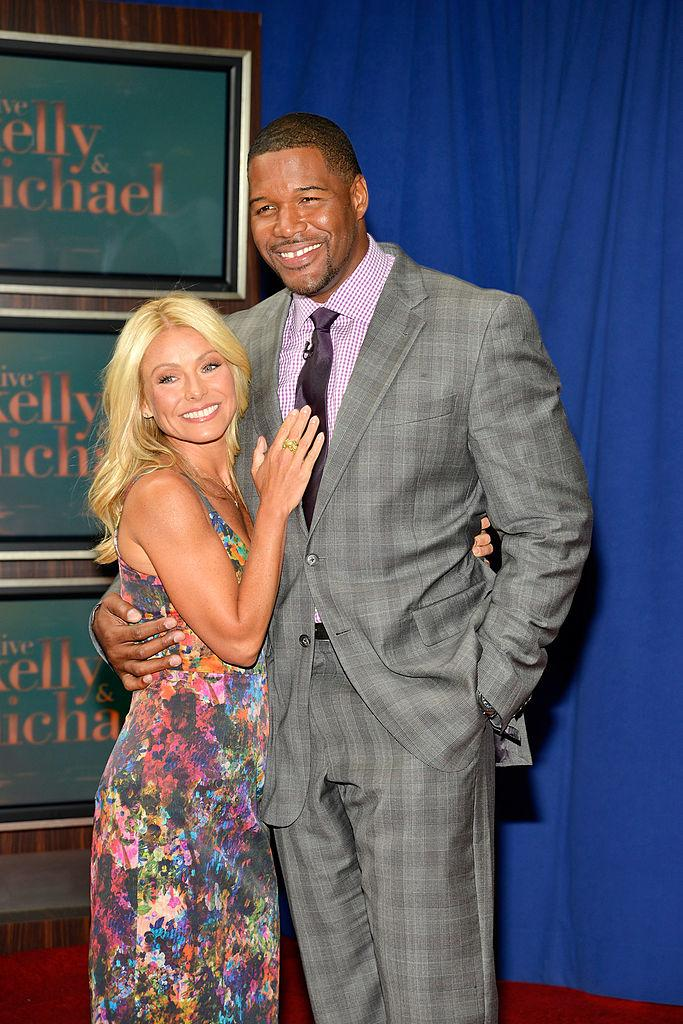 kelly ripa and michael strahan reunite
