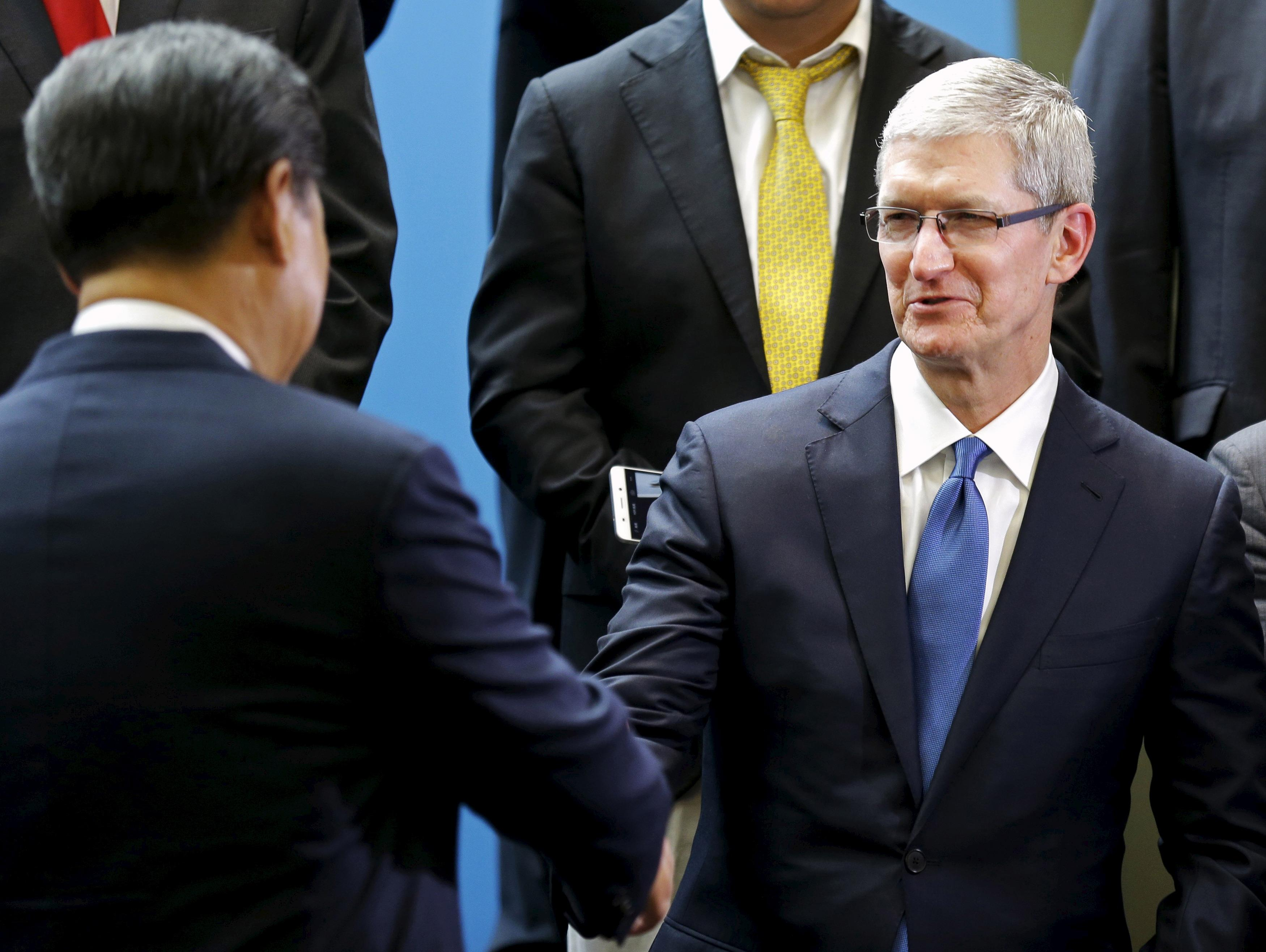Tim Cook Chinese Government