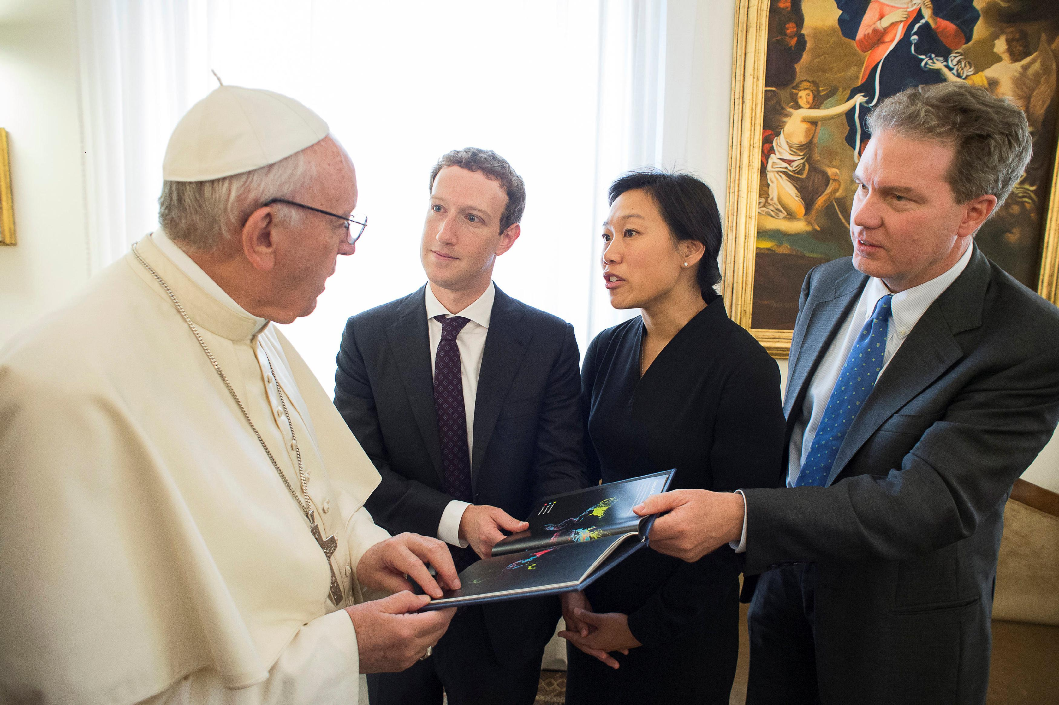 Pope-Francis-Drone-Mark-Zuckerberg-Facebook
