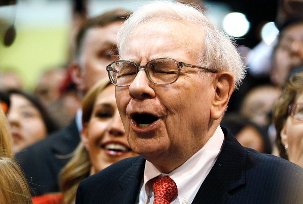 Warren Buffet finally gives up on flip phone, switches to iPhone 11
