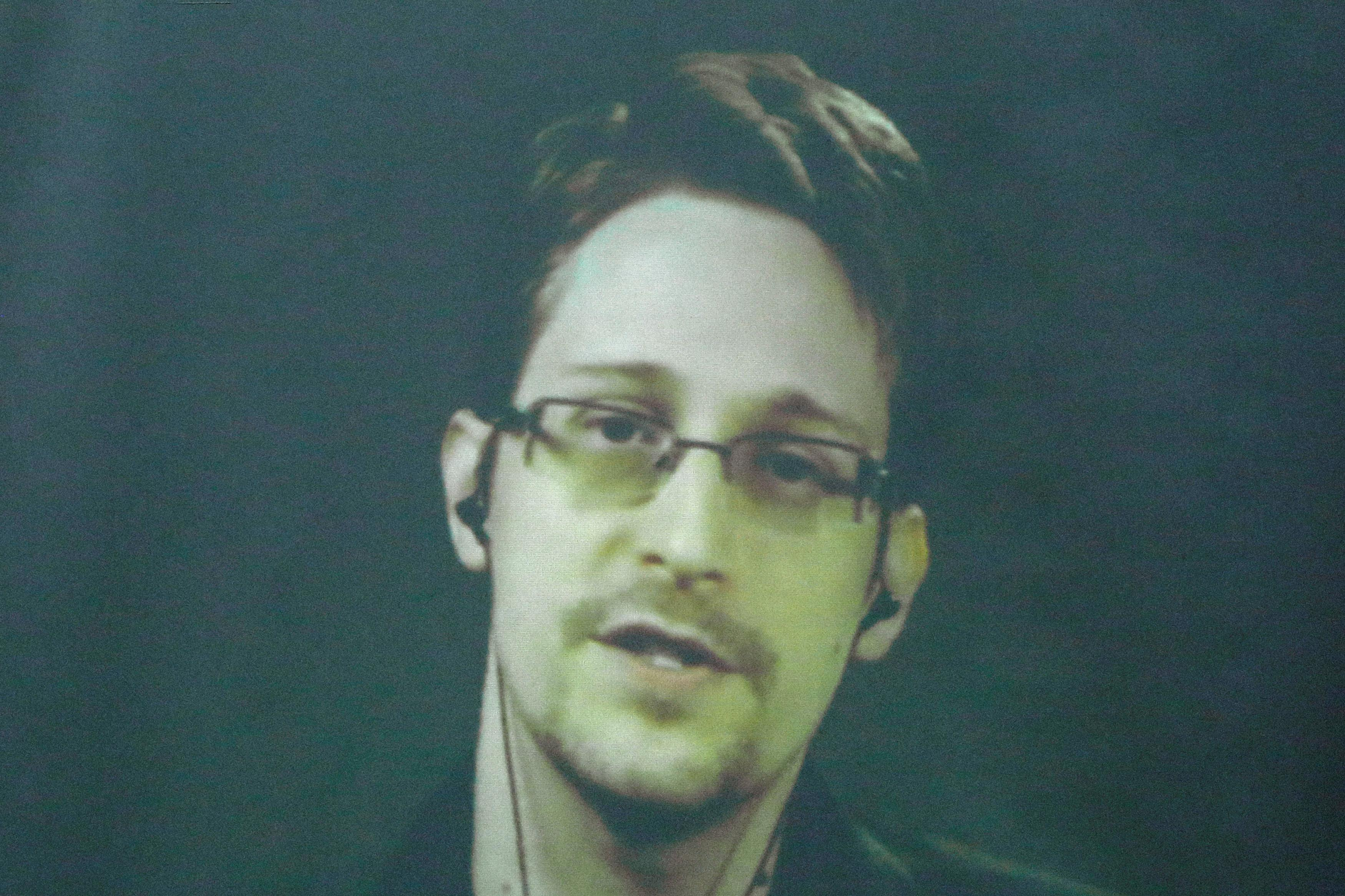 edward snowden dating or single