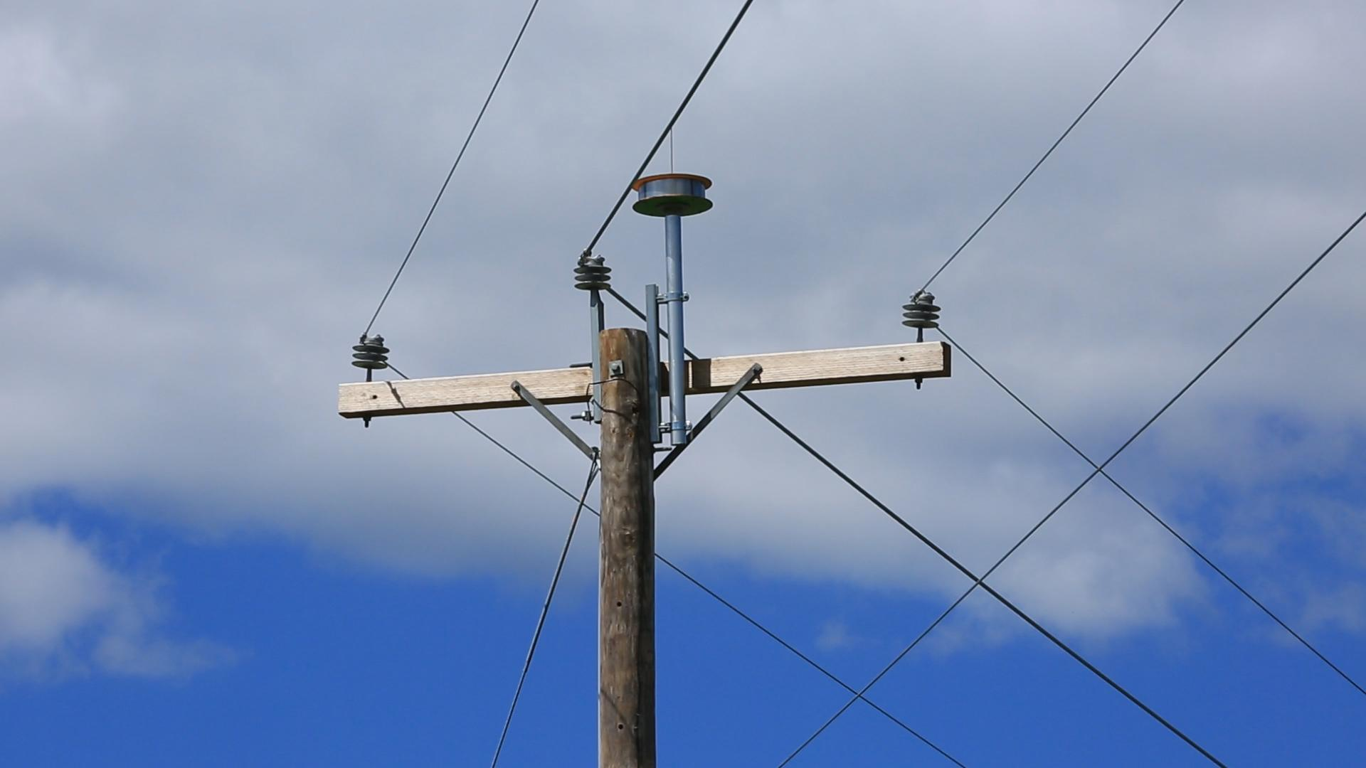 Internet From Power Lines At Amp T Unveils New Millimeter