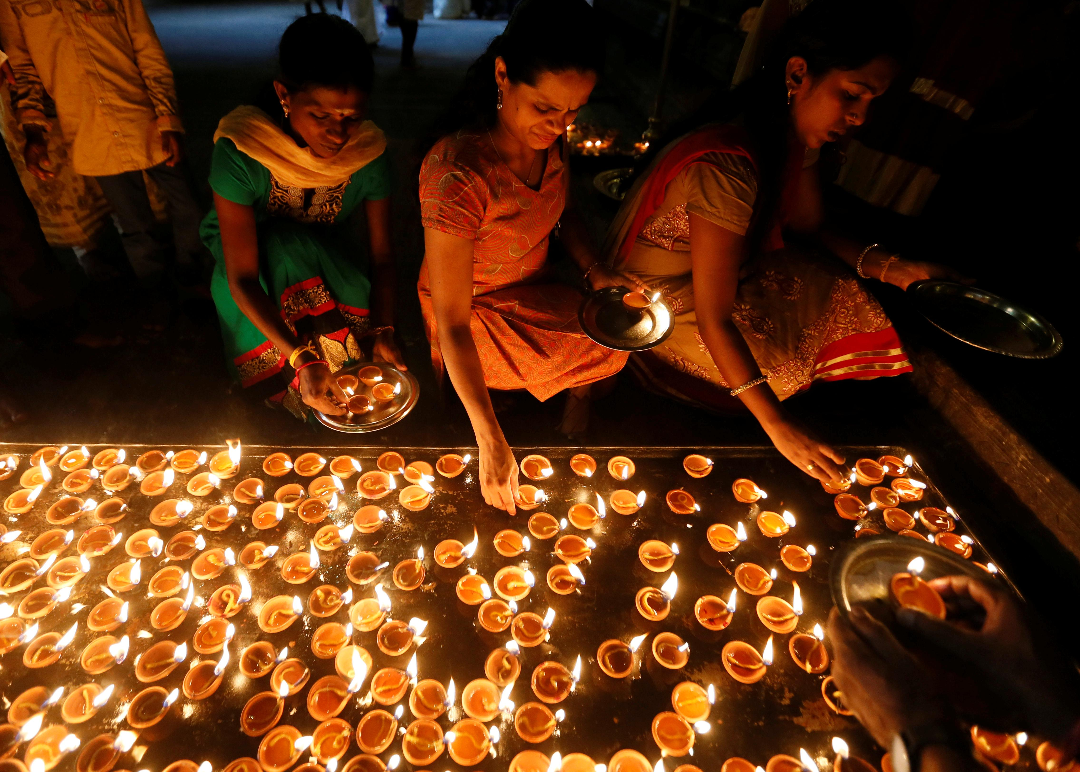 Diwali 2017 Quotes: Greetings, Wishes For Indian Festival
