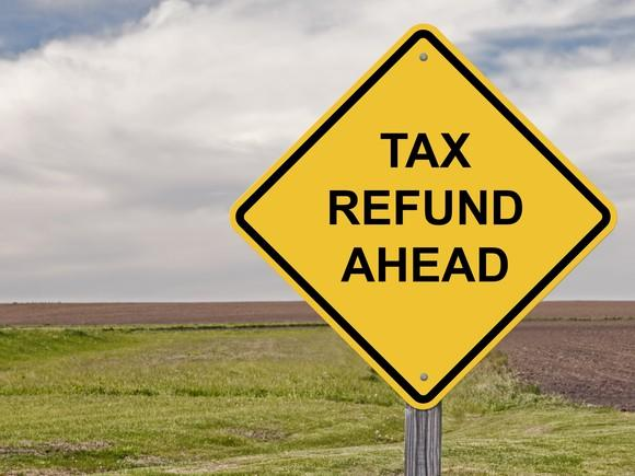 tax-refund_gettyimages-525343163_large