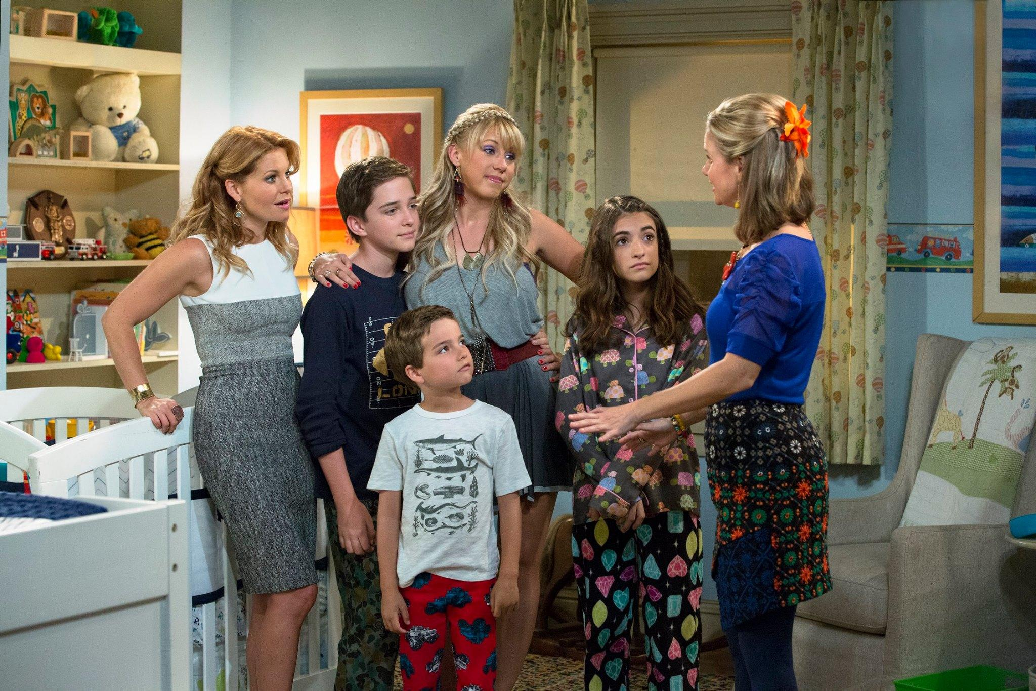 Season Two of 'Fuller House' Rolling on Netflix