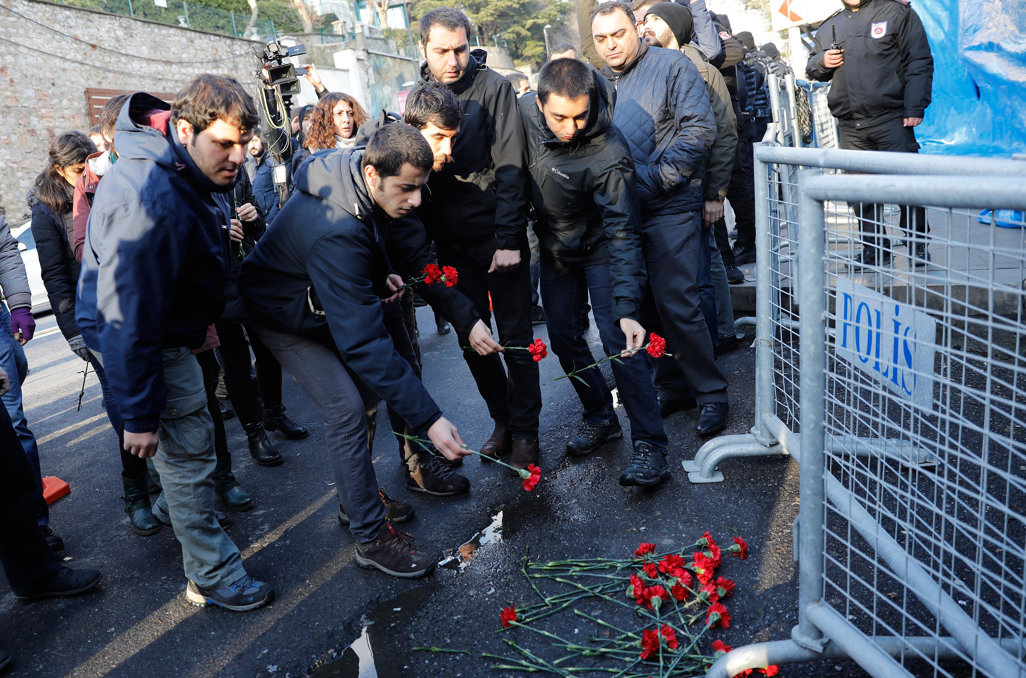 39 killed, 40 wounded in attack on Istanbul nightclub