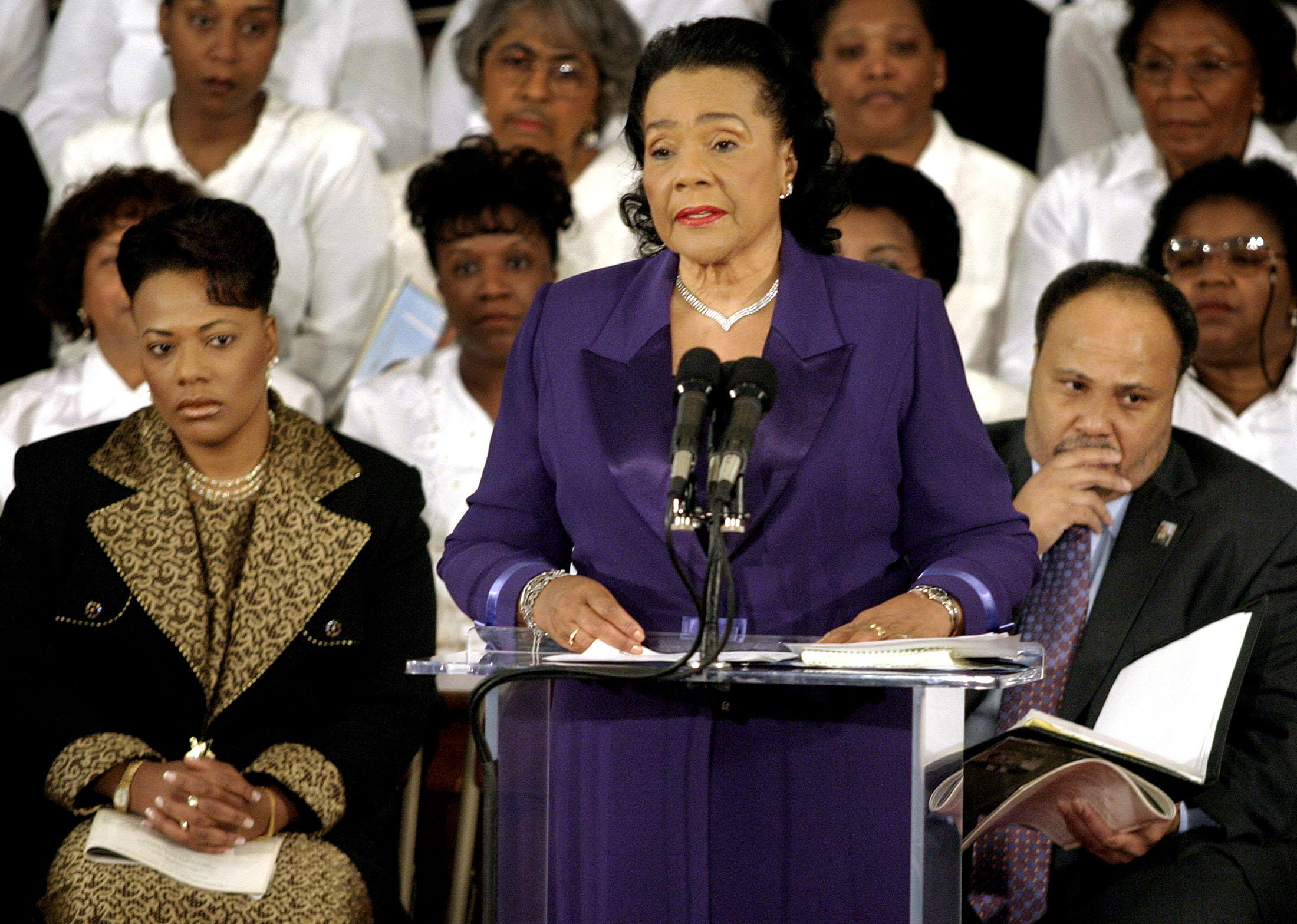 Whitehouse backs Warren on Coretta Scott King Letter
