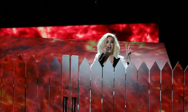 Will Ellie Goulding Win for British Female Solo Artist?