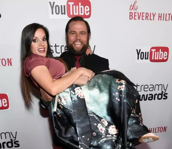 shay carl wife