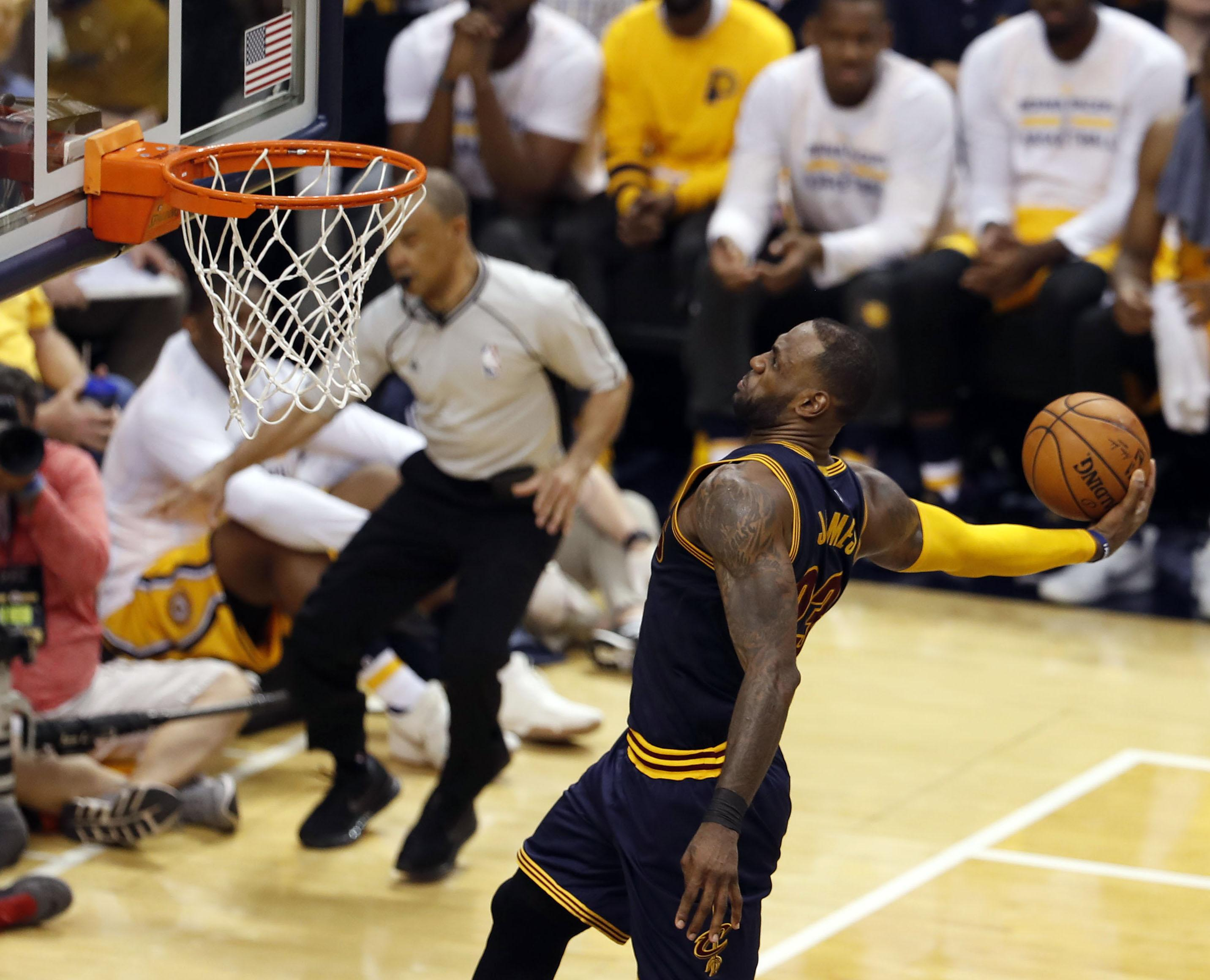 Cavs have record-setting comeback win in Game 3