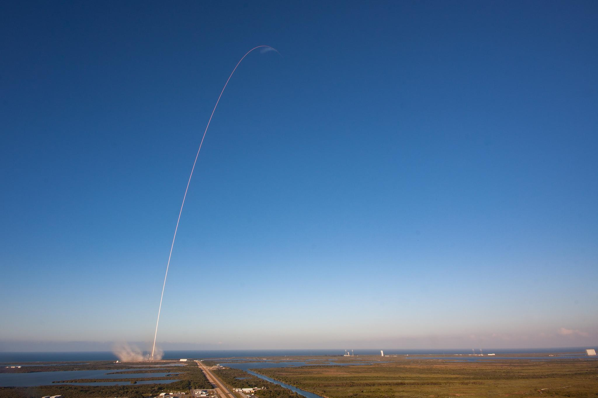 spaceX inmarsat 5