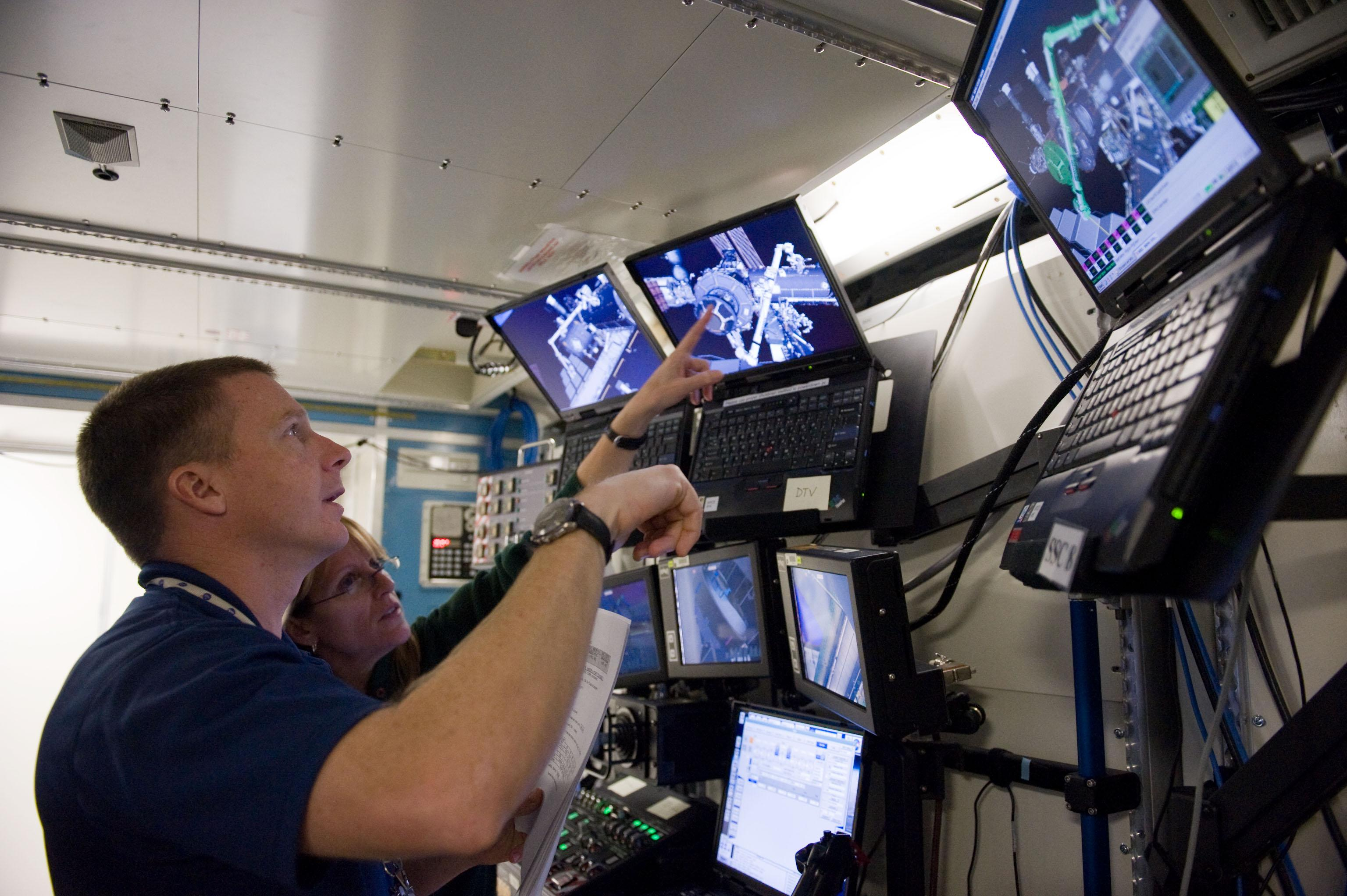 astronaut robotics training
