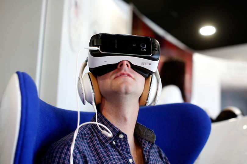 Apple has reportedly acquired virtual reality startup company Spaces