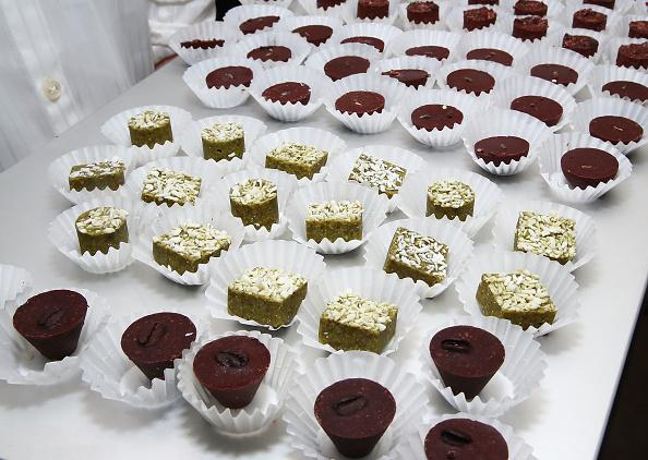 Russian mobsters arrested for peddling stolen chocolate