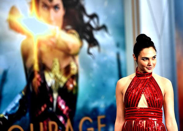Wonder Woman fans are hiding swords in their dresses