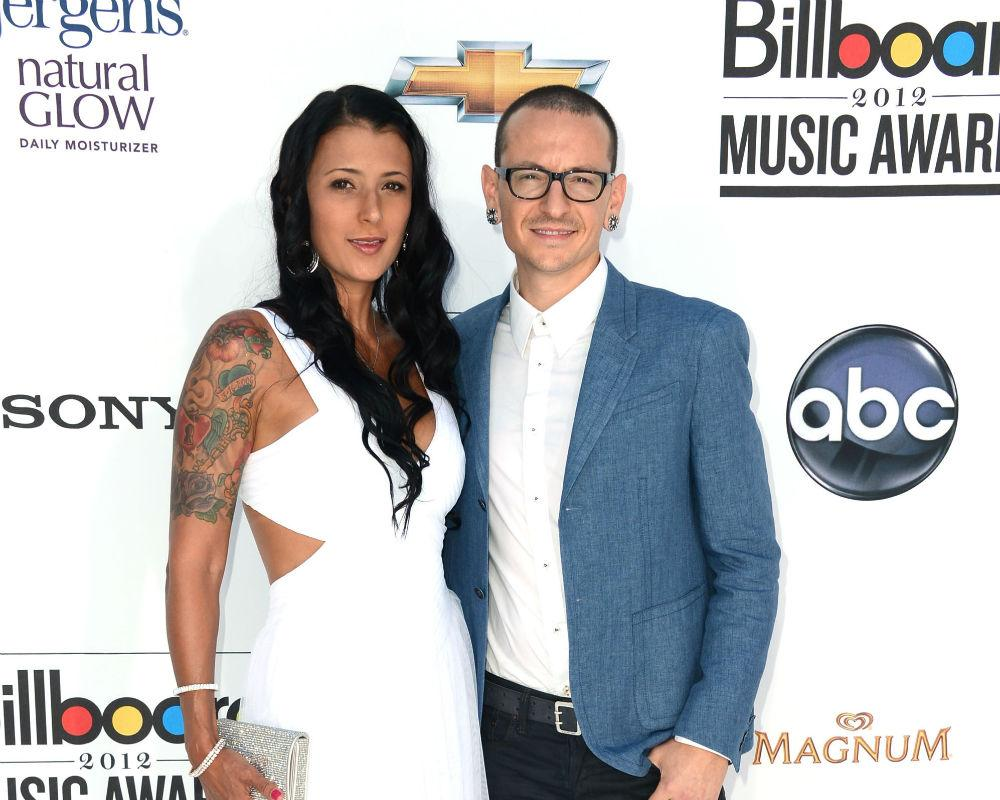 Talinda Ann Bentley, Chester Bennington