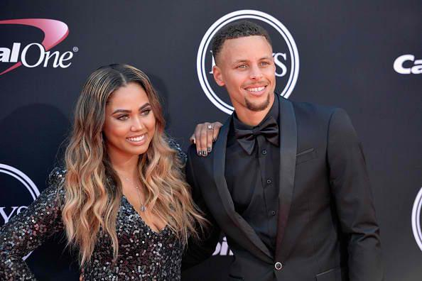 Steph and Ayesha Curry share the love on Instagram