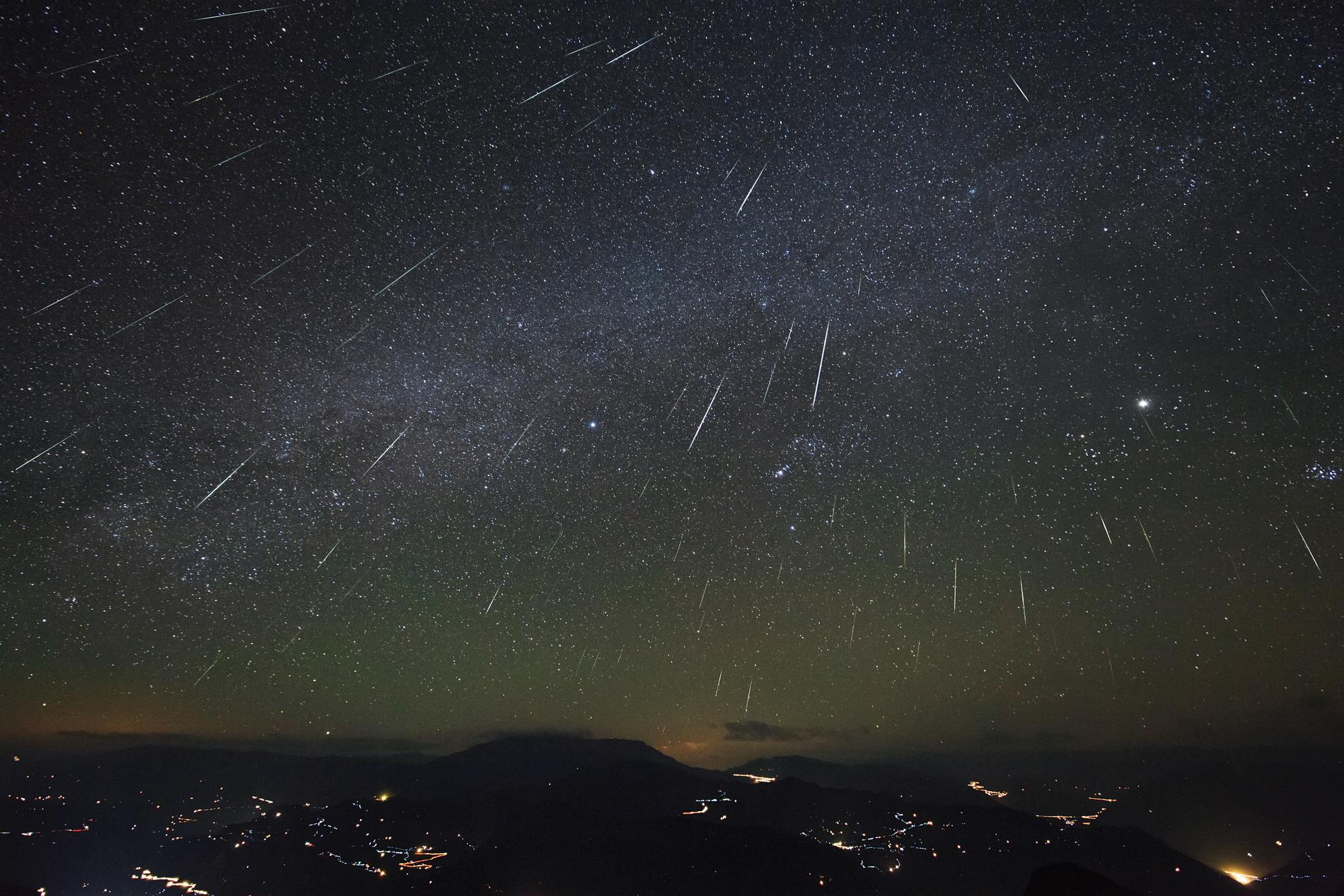 Geminids meteors peak December 13-14